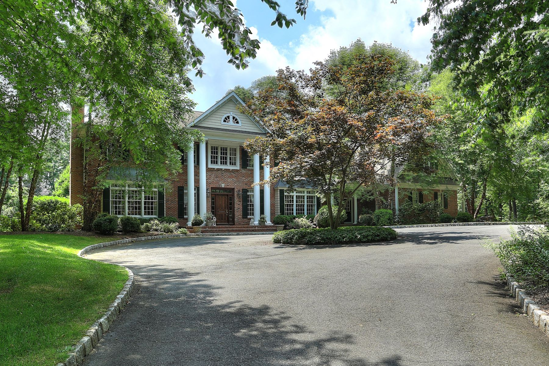 single family homes para Venda às Gracious Custom Colonial 9 Timber Ridge Road, Mendham, Nova Jersey 07945 Estados Unidos