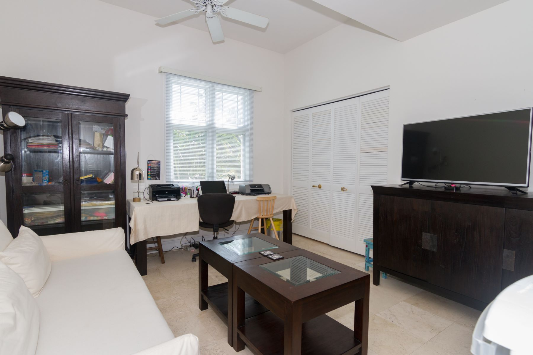 Additional photo for property listing at Kings Court Britannia Canal Front with Dock Britannia,  Cayman Islands