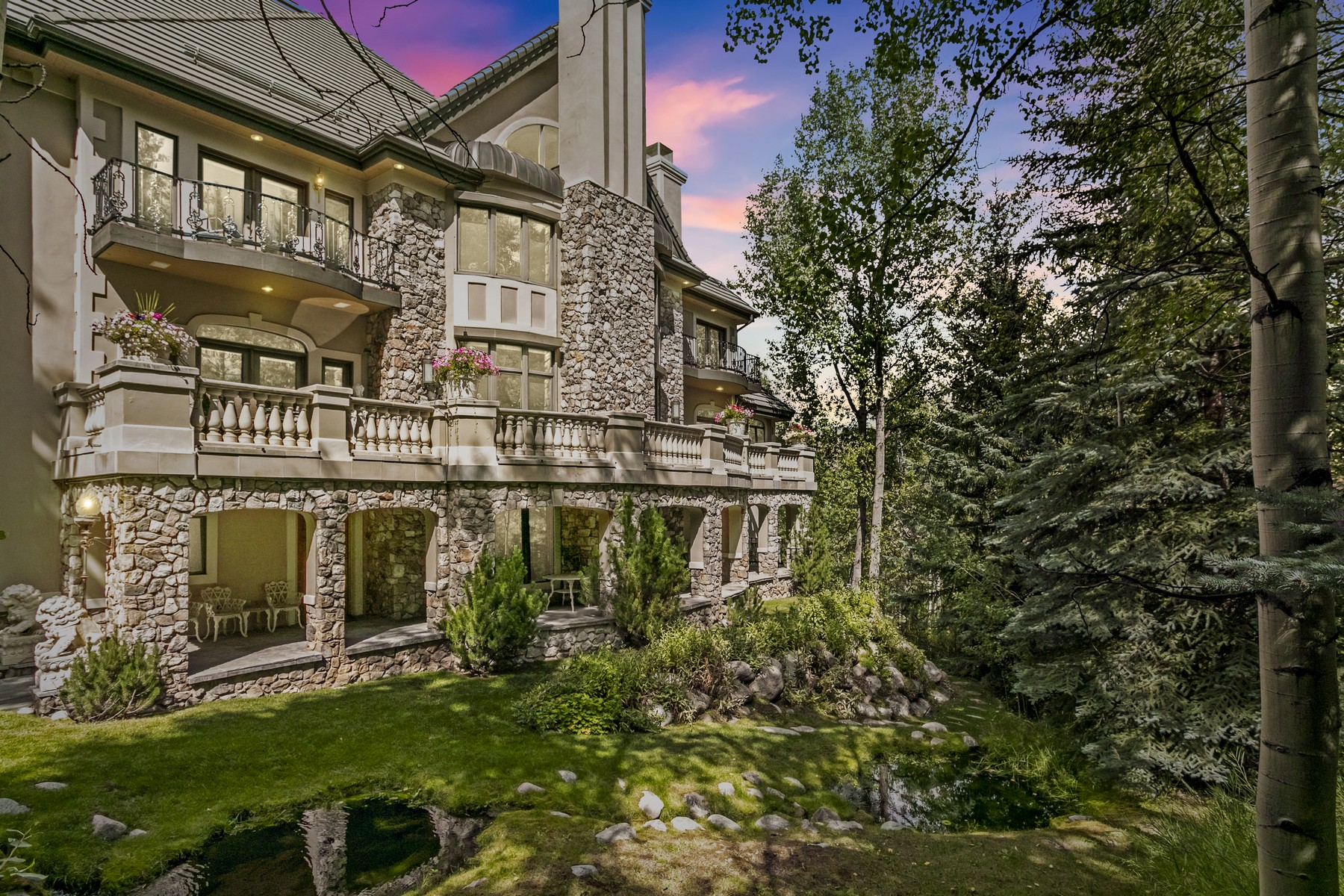 Single Family Homes للـ Sale في European-inspired iconic home 789 Holden Road, Beaver Creek, Colorado 81620 United States