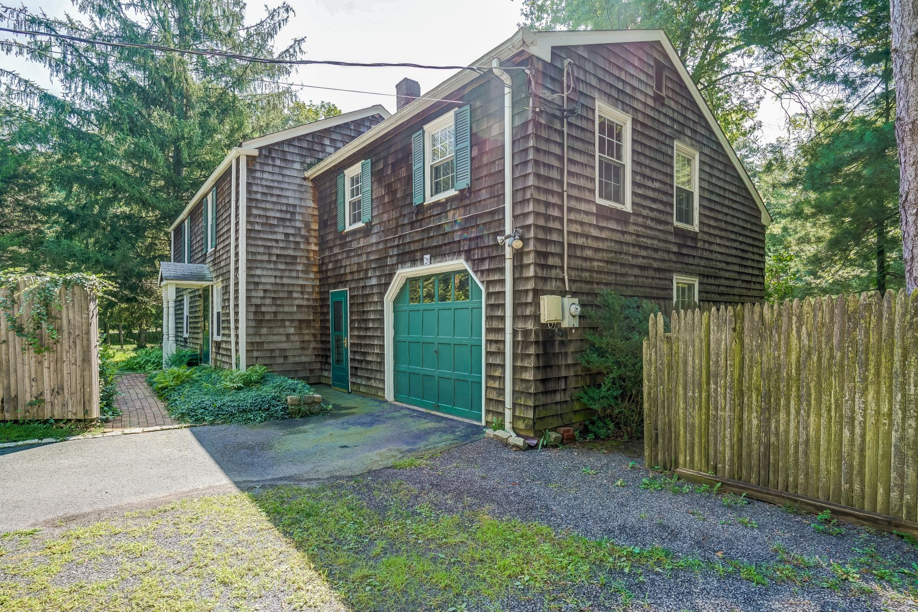 Single Family Home for Sale at Charming Colonial 20 Mount Horeb Road Warren, New Jersey, 07059 United States
