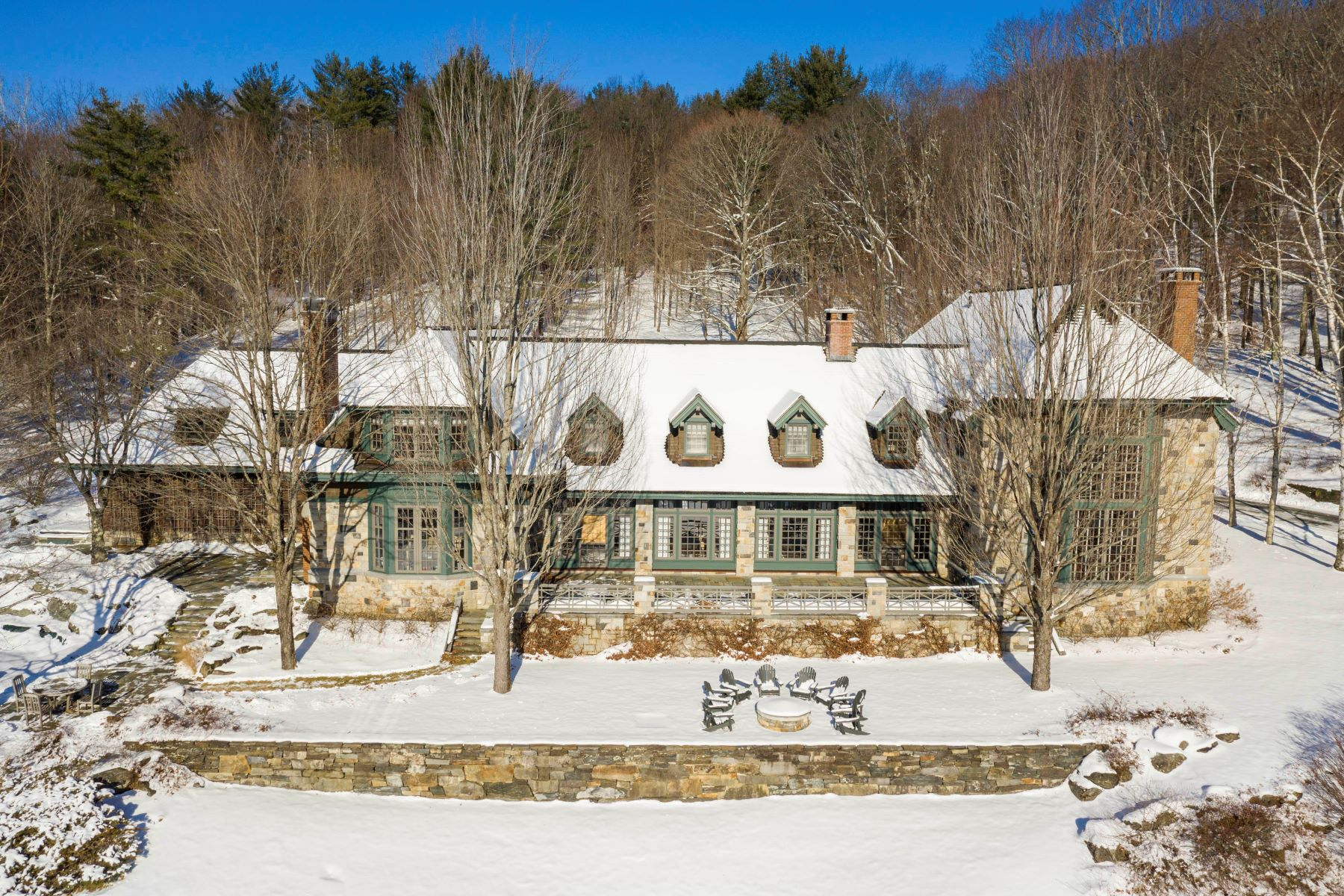Single Family Homes for Sale at Stonehill Farm 1403 Quechee West Hartford Rd Hartford, Vermont 05059 United States