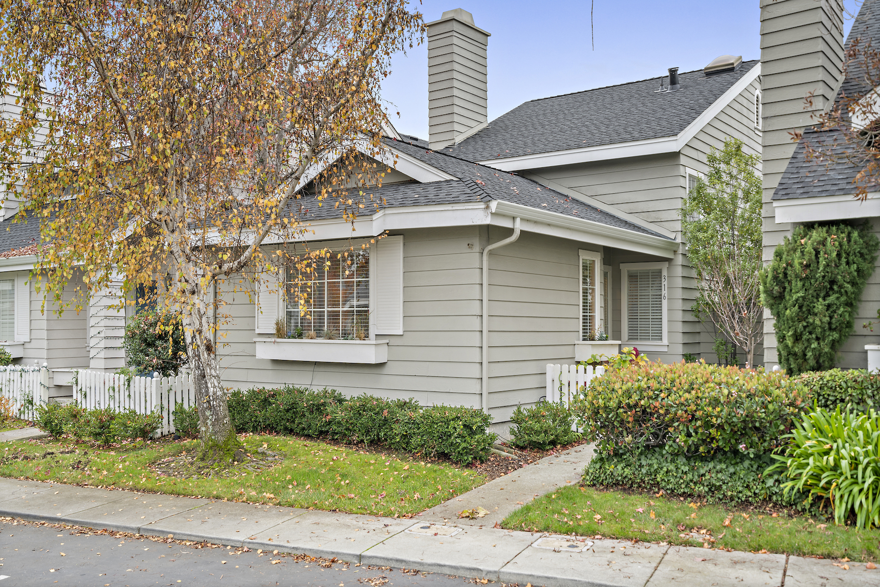 Single Family Home for Active at Lovely Home in Redwood Shores Neighborhood 316 Sea Cliff lane Redwood City, California 94065 United States
