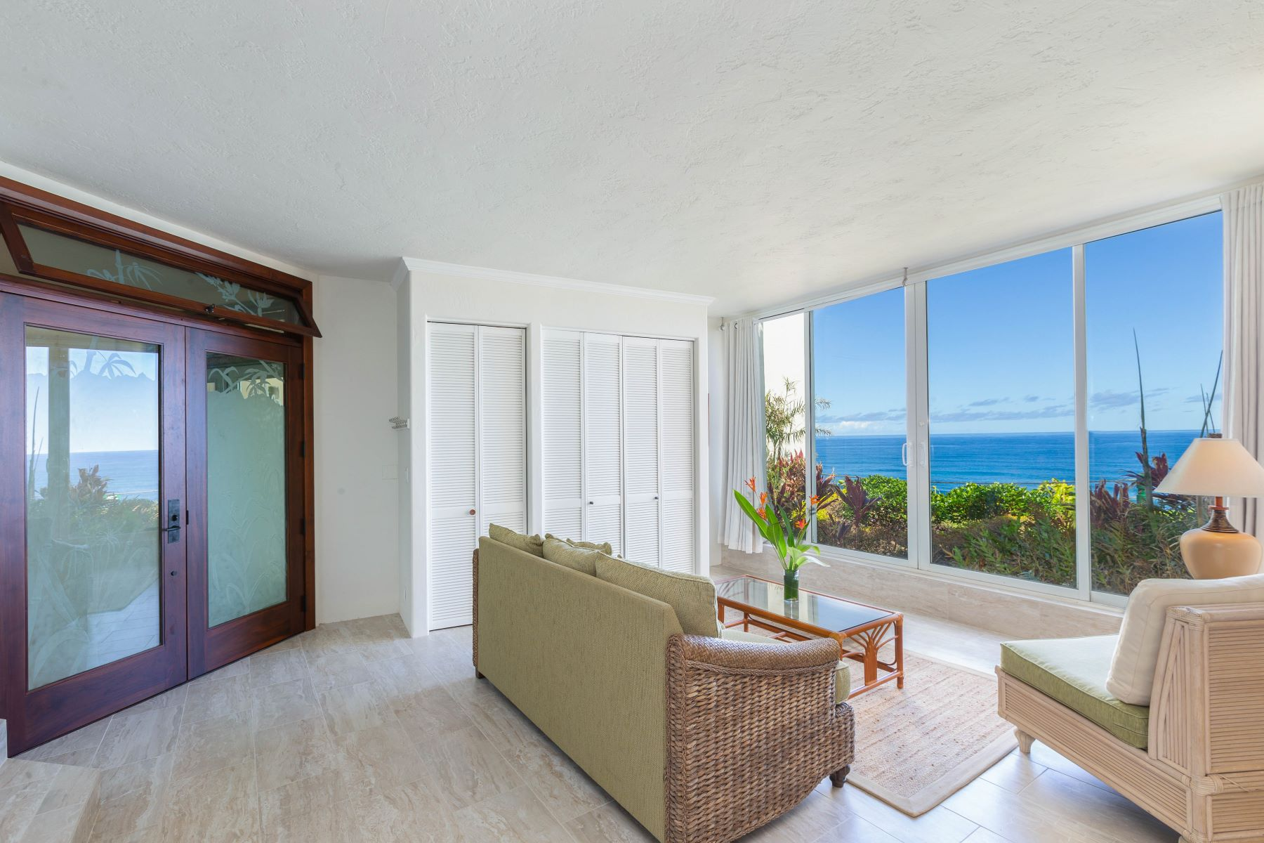 Condominiums 용 매매 에 Condo with Beautiful Ocean View Located in Princeville on Kauai's North Shore 5454 Ka Haku Road Puu Poa, #114, Princeville, 하와이 96722 미국
