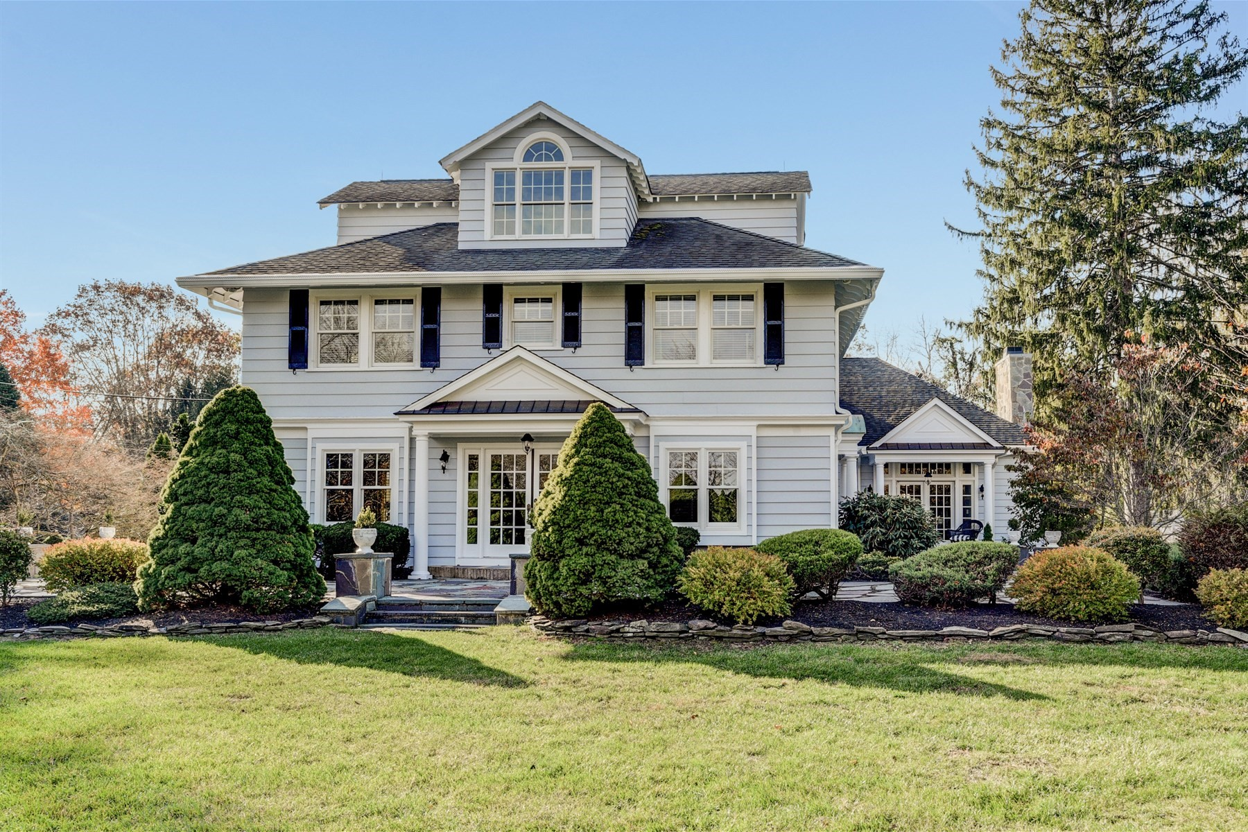 Villa per Vendita alle ore 40 Blossom Cove Road Red Bank, New Jersey 07701 Stati Uniti