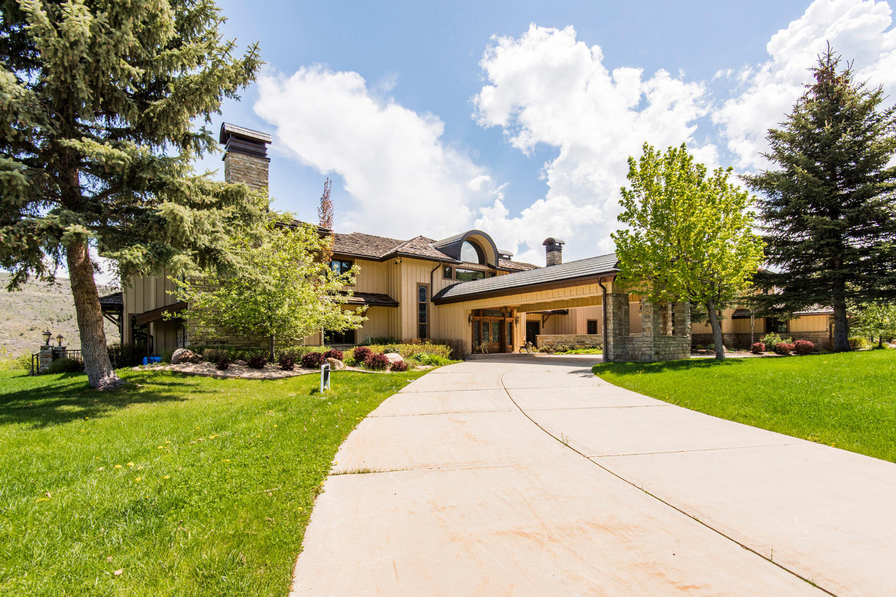 Single Family Homes for Active at European Manor on 271 Acres 4519 S River Ranch Way Woodland, Utah 84036 United States