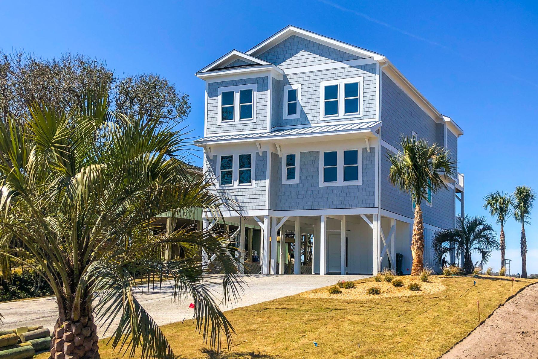 Single Family Homes για την Πώληση στο Brand New Home with Deep Water Pier 450C N Anderson Boulevard, Topsail Beach, Βορεια Καρολινα 28445 Ηνωμένες Πολιτείες