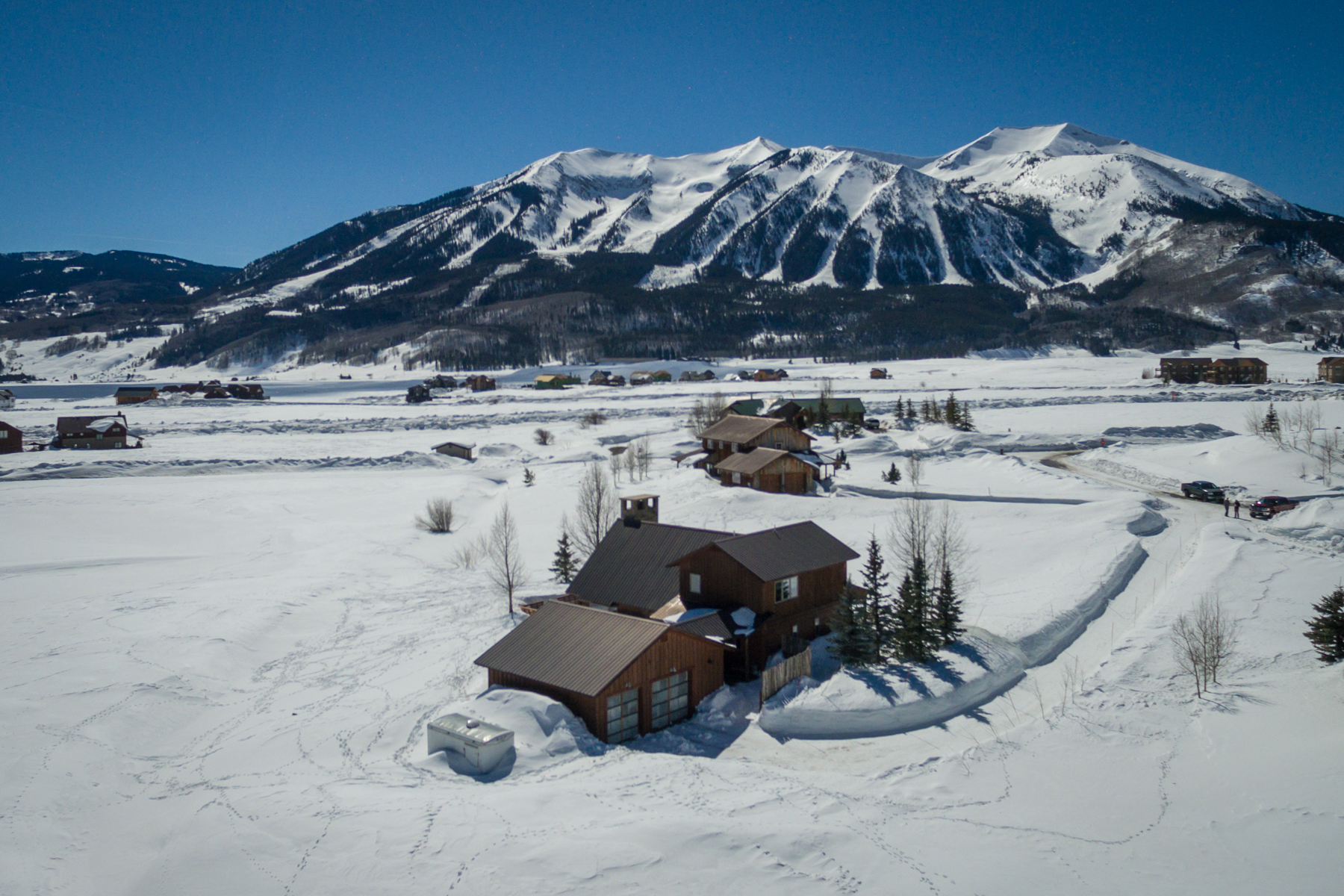 Single Family Home for Sale at Darling Country Home 33 Earhart Lane Crested Butte, Colorado, 81224 United States