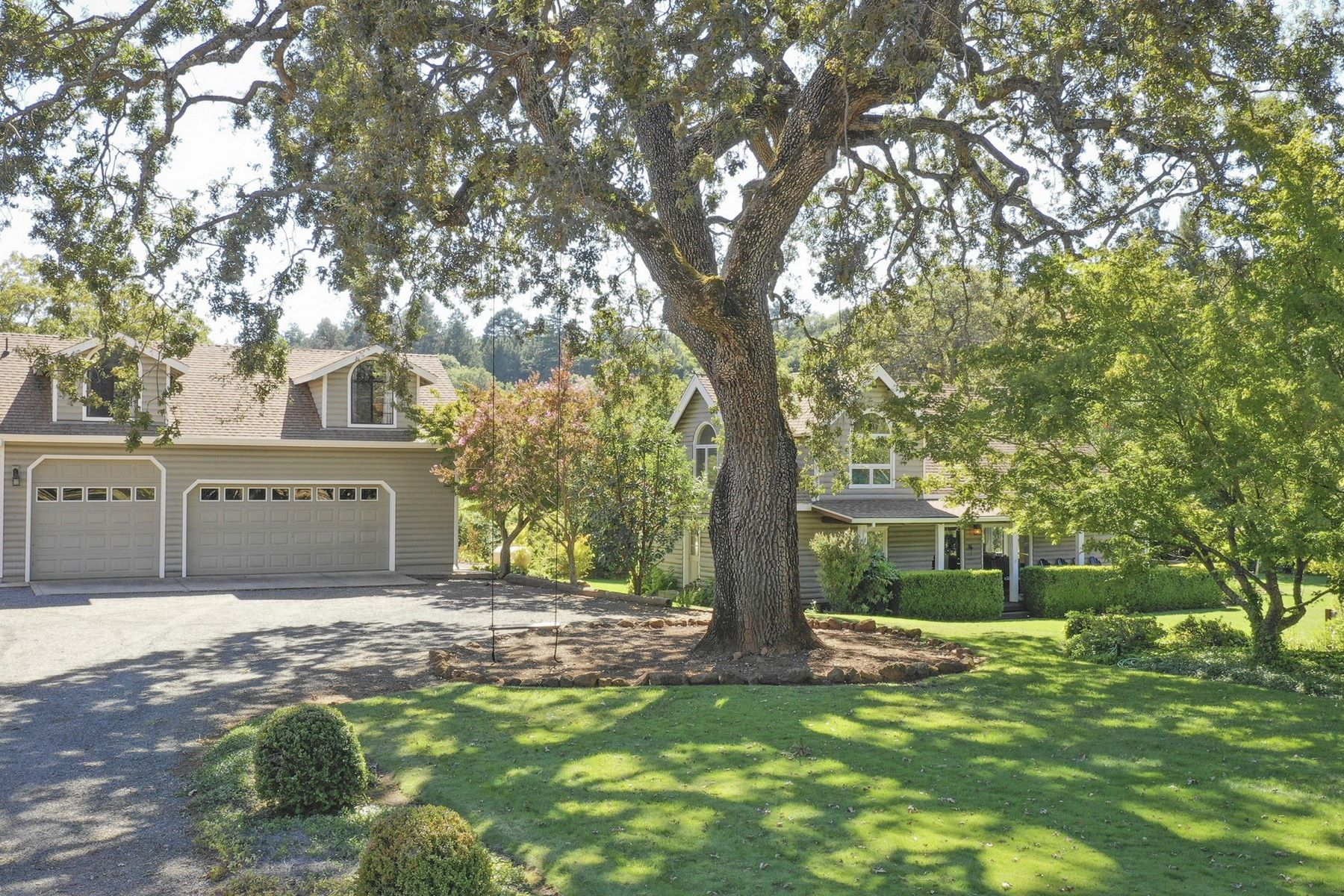 Single Family Homes for Sale at Positively Stunning Setting Amidst the Vineyards! 1225 Summit Lake Drive Angwin, California 94508 United States