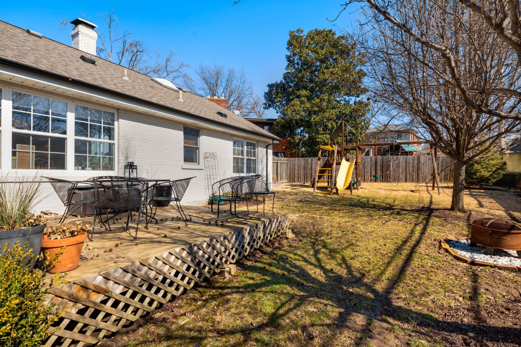 Additional photo for property listing at 8536 Colonial Lane Ladue, Missouri 63124 United States