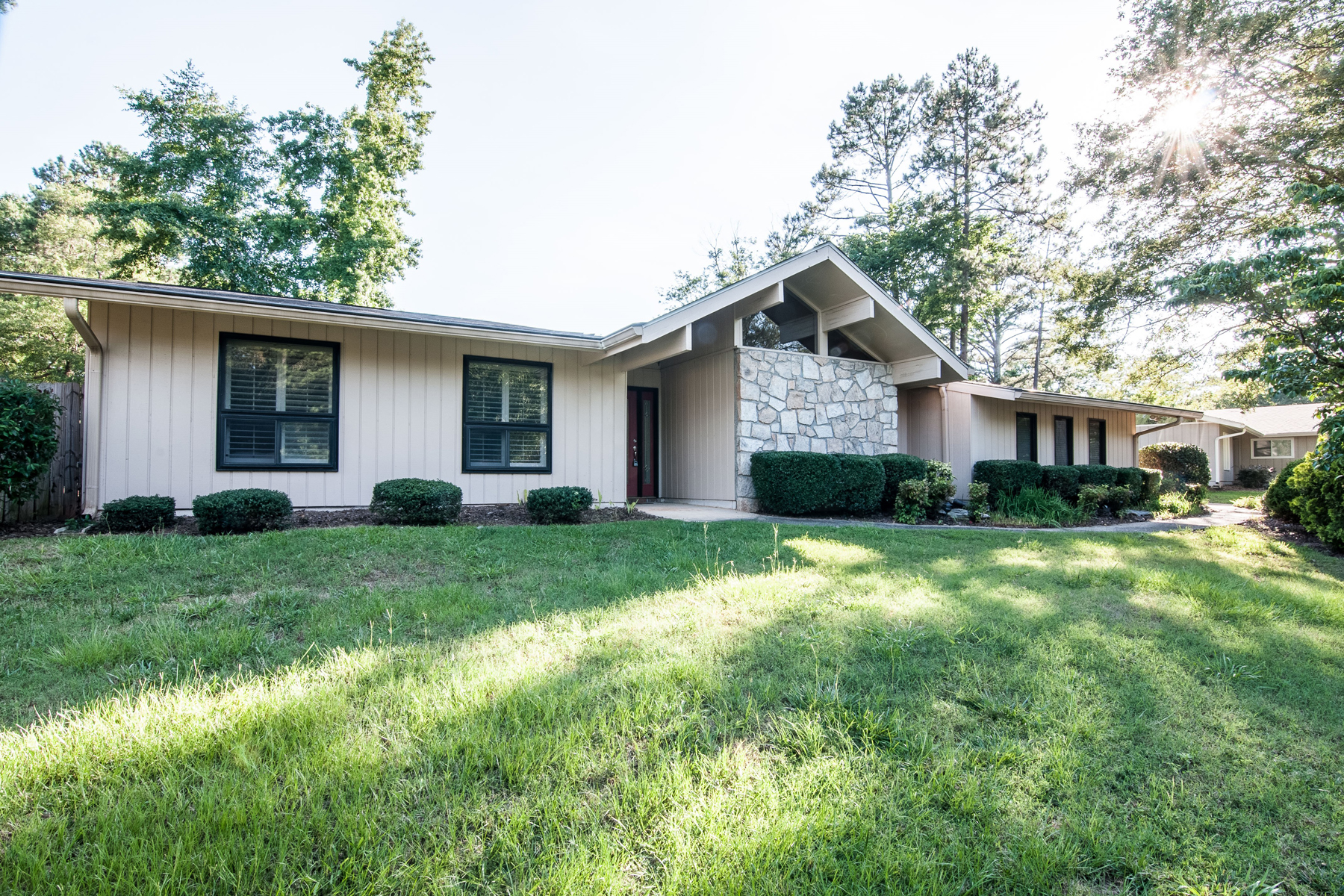 Single Family Home for Rent at Heart Of Peachtree City - Utilities Included 207 Waterwood Bend Peachtree City, Georgia 30269 United States
