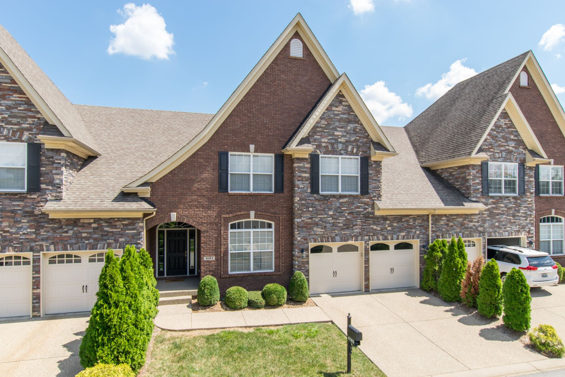 Townhouse for Sale at 4103 Ethan Cole Court 4103 Ethan Cole Court Prospect, Kentucky 40059 United States