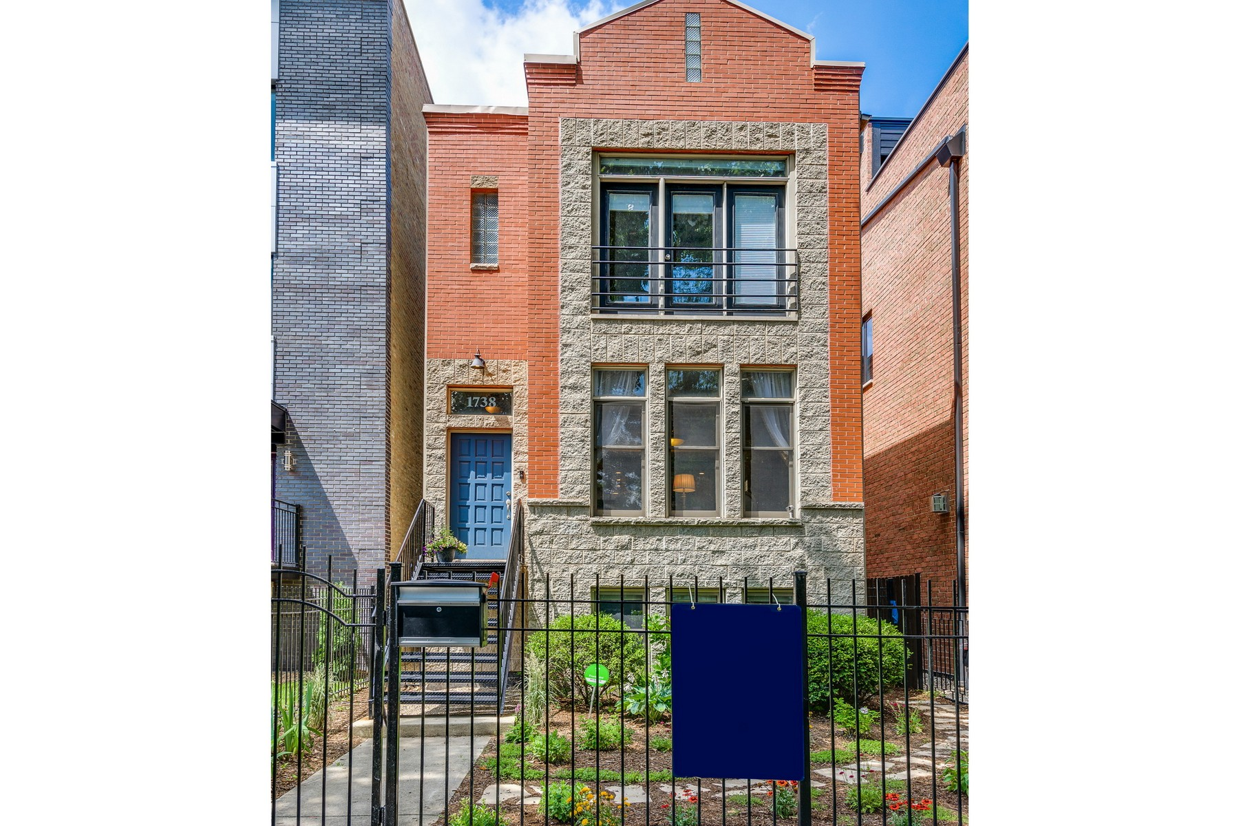 Single Family Home for Sale at Hard To Find - Ukrainian Village Single Family Home 1738 W Erie Street West Town, Chicago, Illinois, 60622 United States
