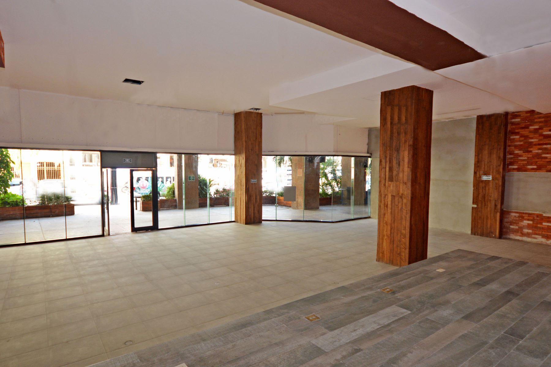Additional photo for property listing at ALDEA THAI 22 COMMERCIAL SPACE Aldea Thai #22 Avenida Cozumel entre las Calles 26 y 28 Norte Playa Del Carmen, Quintana Roo 77710 Mexico