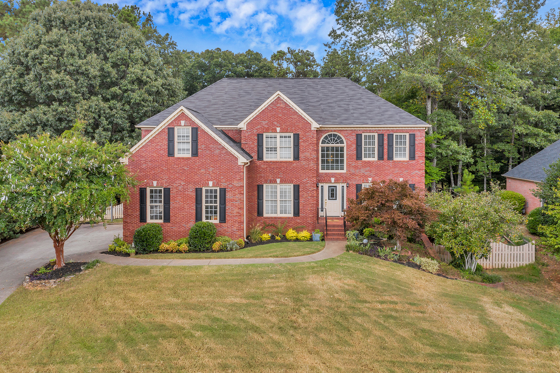 Single Family Homes のために 売買 アット Stunning And Pristine In Desirable Roswell 430 Laurian View Ct, Roswell, ジョージア 30075 アメリカ