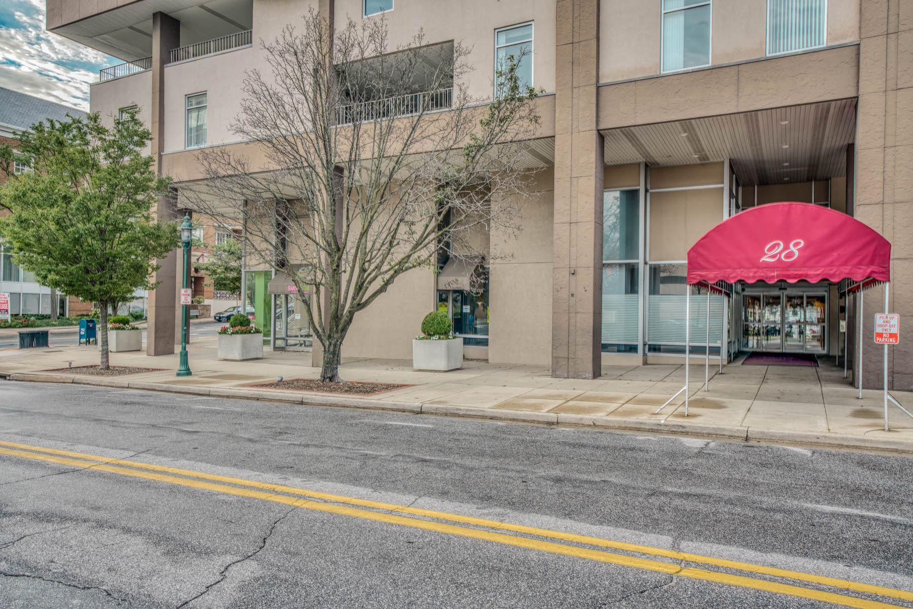 Condominiums por un Venta en Own for Less than Rent! 28 Allegheny Avenue #2308 Towson, Maryland 21204 Estados Unidos