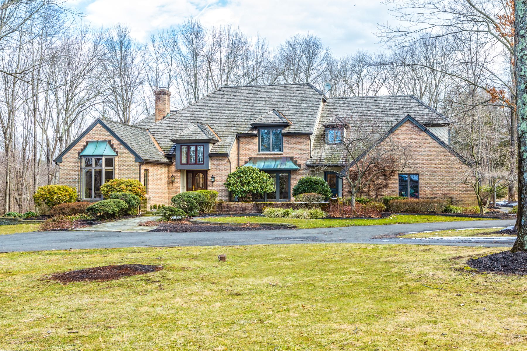 Casa Unifamiliar por un Venta en Bright Spaces and Breathtaking Design 7 Applewood Drive Hopewell, Nueva Jersey 08525 Estados UnidosEn/Alrededor: Hopewell Township