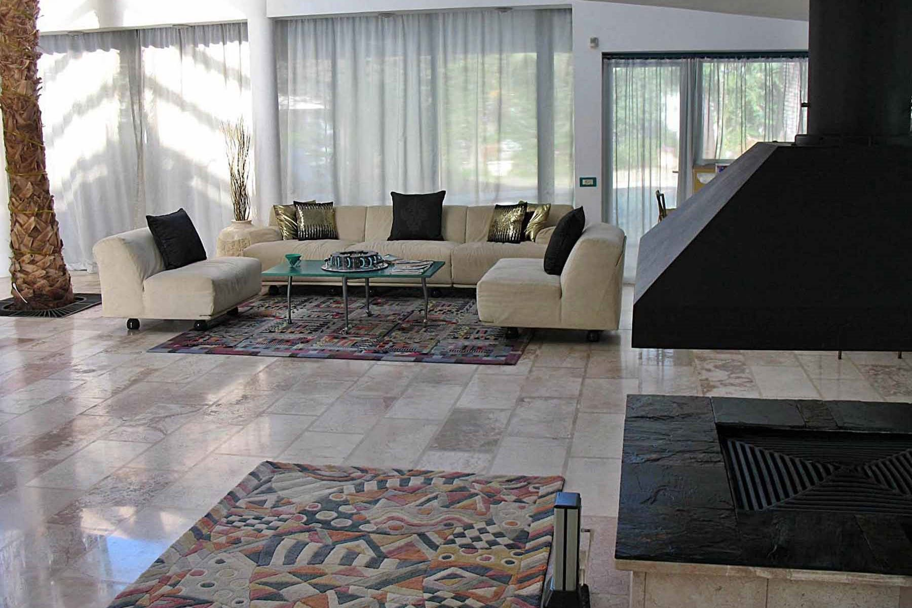 Additional photo for property listing at Mediterranean Style Villa in Caesarea  Caesarea, Israel 3088900 Israel