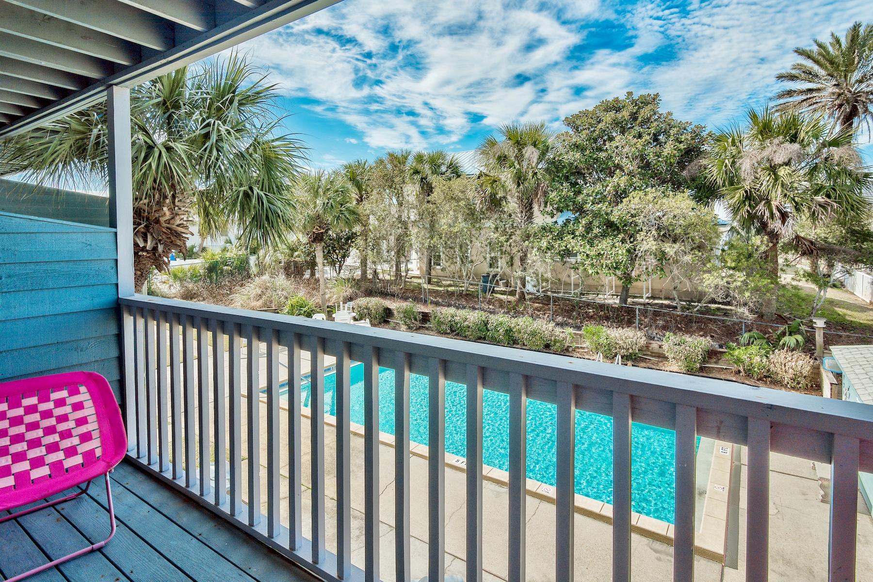 Кондоминиум для того Продажа на Charming Condo Steps From the Beach 126 S Walton Lakeshore Drive Unit 205, Inlet Beach, Флорида, 32461 Соединенные Штаты