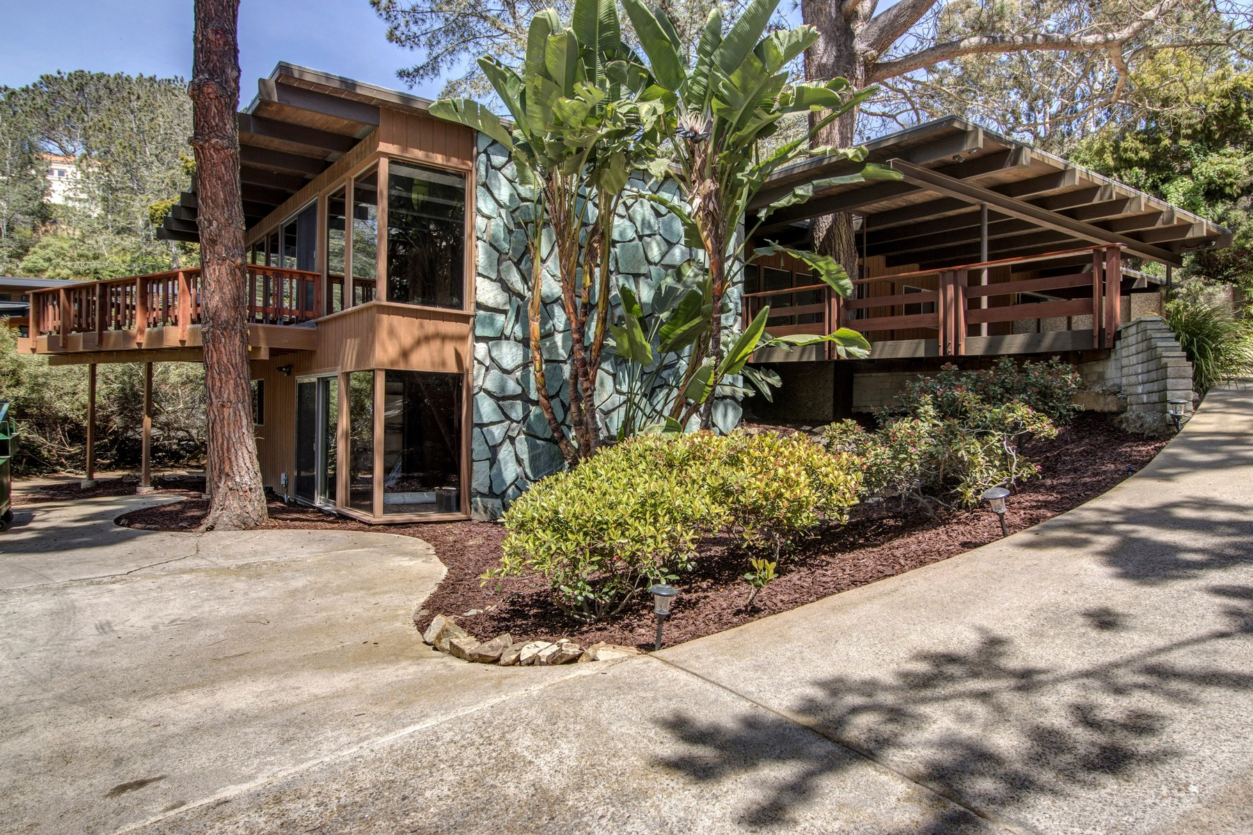 Single Family Home for Sale at 437 Pine Needles Drive Del Mar, California, 92014 United States
