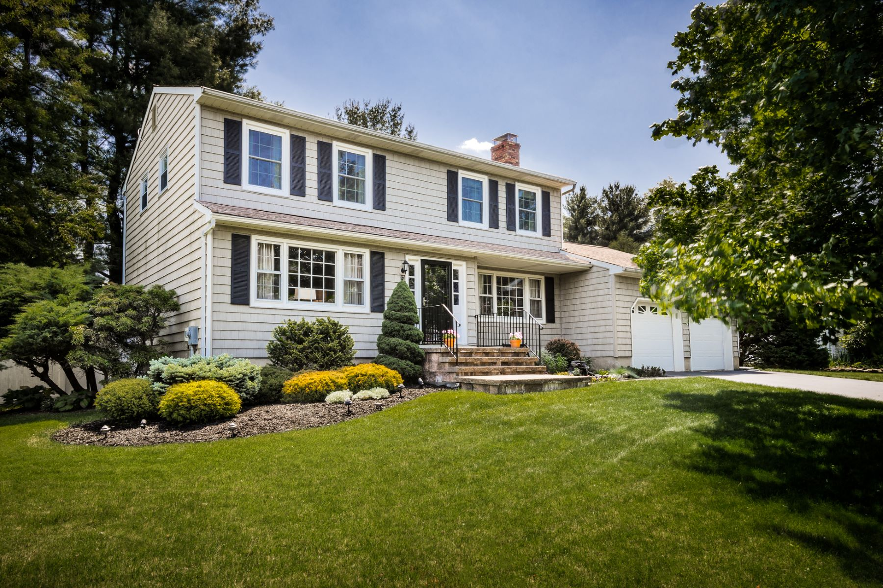 Single Family Home for Sale at Tucked Away in Lawrenceville - Lawrence Township 5 Heritage Way Trenton, New Jersey 08648 United States