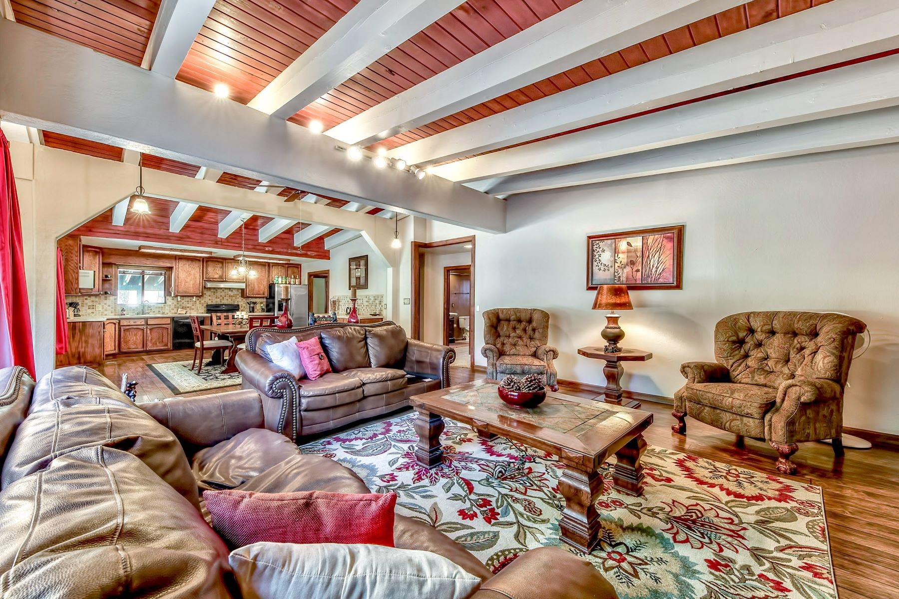 Additional photo for property listing at 817 Hazel Drive, South Lake Tahoe, CA 96150 817 Hazel Drive South Lake Tahoe, California 96150 United States