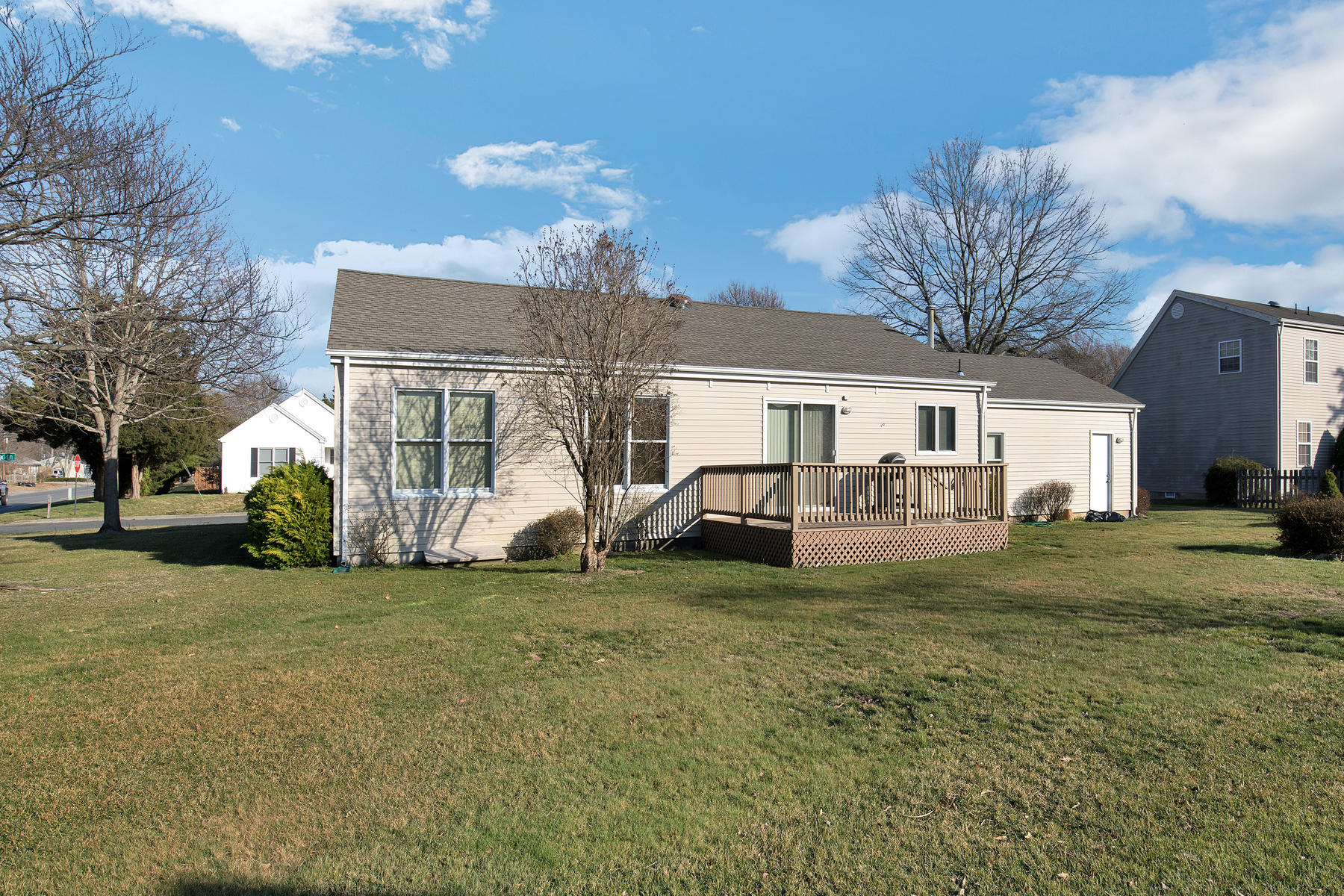 Additional photo for property listing at Sunrise Beach! 114 Foxwood Lane Forked River, New Jersey 08731 United States