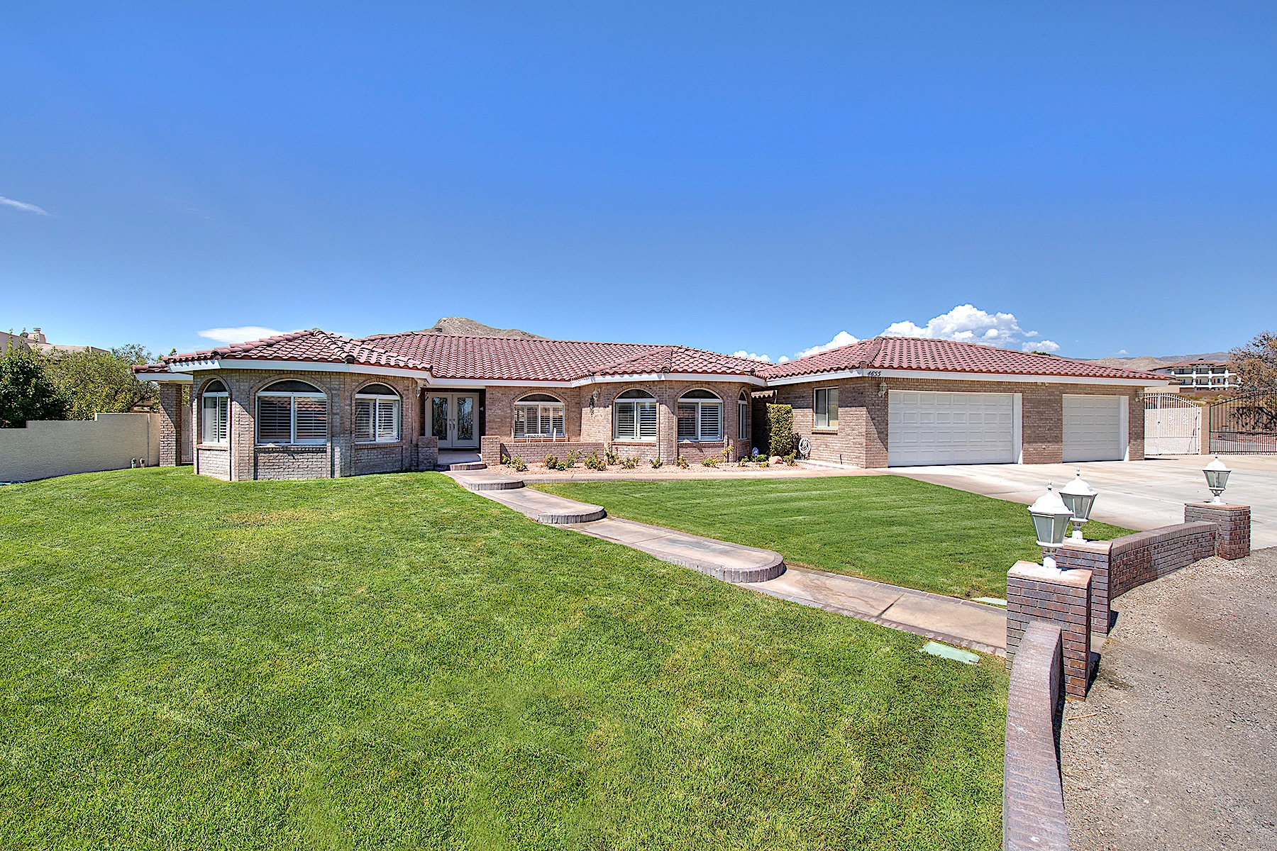 Casa Unifamiliar por un Venta en 4655 N Tee Pee Ln Las Vegas, Nevada, 89129 Estados Unidos