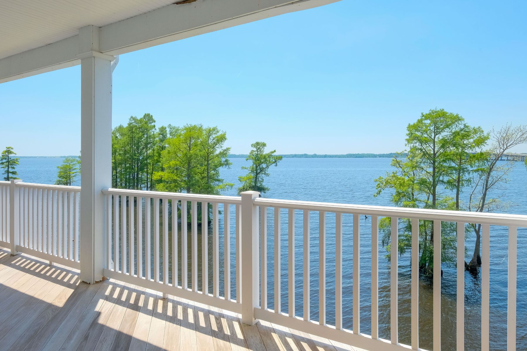 Condominiums for Sale at RIVERFRONT CONDO 412 D Captains Cove Edenton, North Carolina 27932 United States