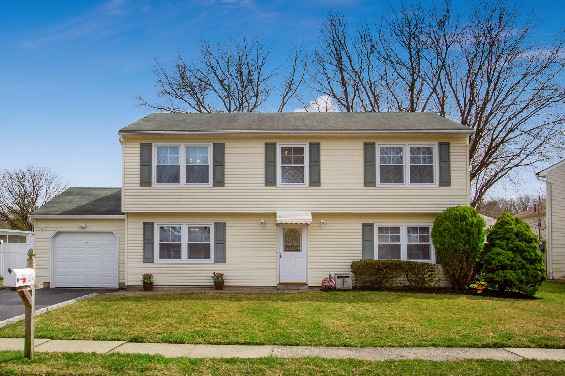 Single Family Home for Sale at Make this space your HOME! 6 Angela Circle, Hazlet, New Jersey 07730 United States