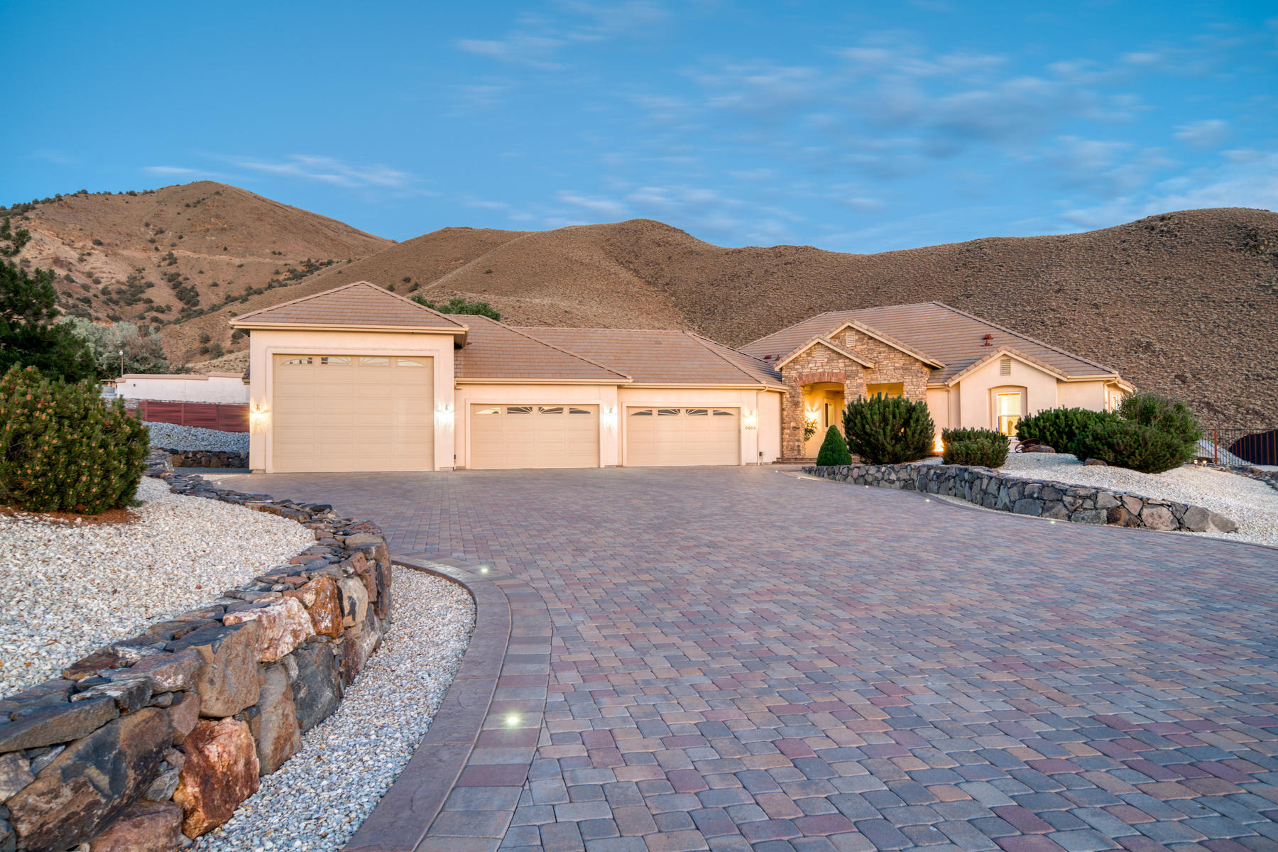 Additional photo for property listing at Flawless Home in Hidden Valley 6605 Loma Vista Lane Reno, Nevada 89502 United States