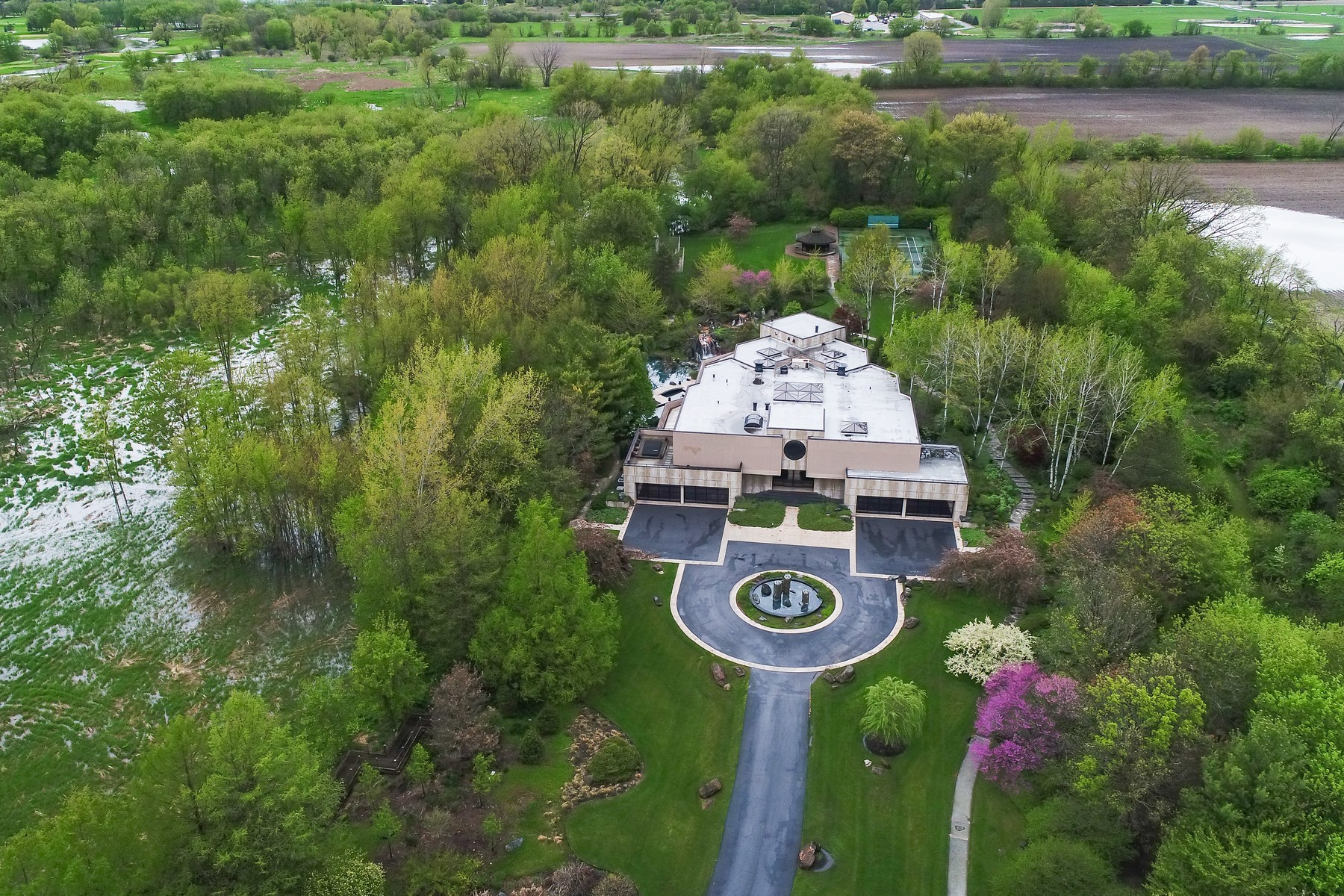 Additional photo for property listing at Woodgate Estate 37W756 Woodgate Road St. Charles, Illinois 60175 United States