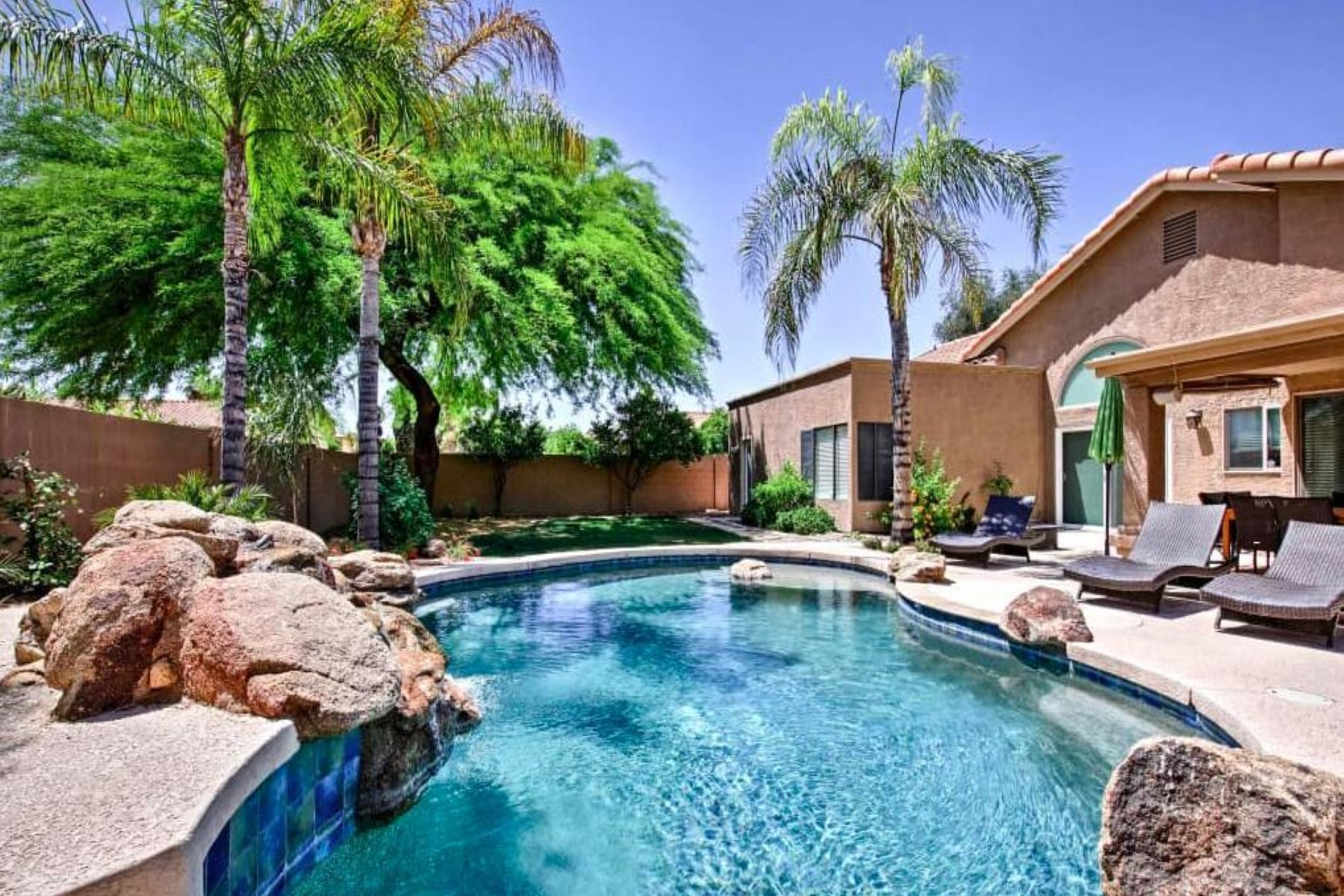 Single Family Homes for Sale at Warner Ranch Crossing 155 W LA VIEVE LN Tempe, Arizona 85284 United States
