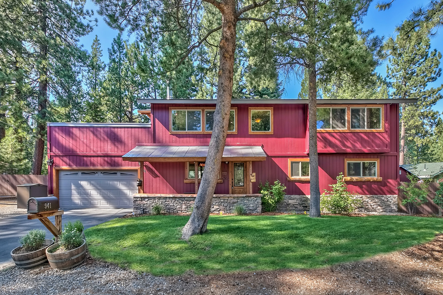 Property for Active at 941 Patricia Lane, South Lake Tahoe, CA 96150 941 Patricia Lane South Lake Tahoe, California 96150 United States