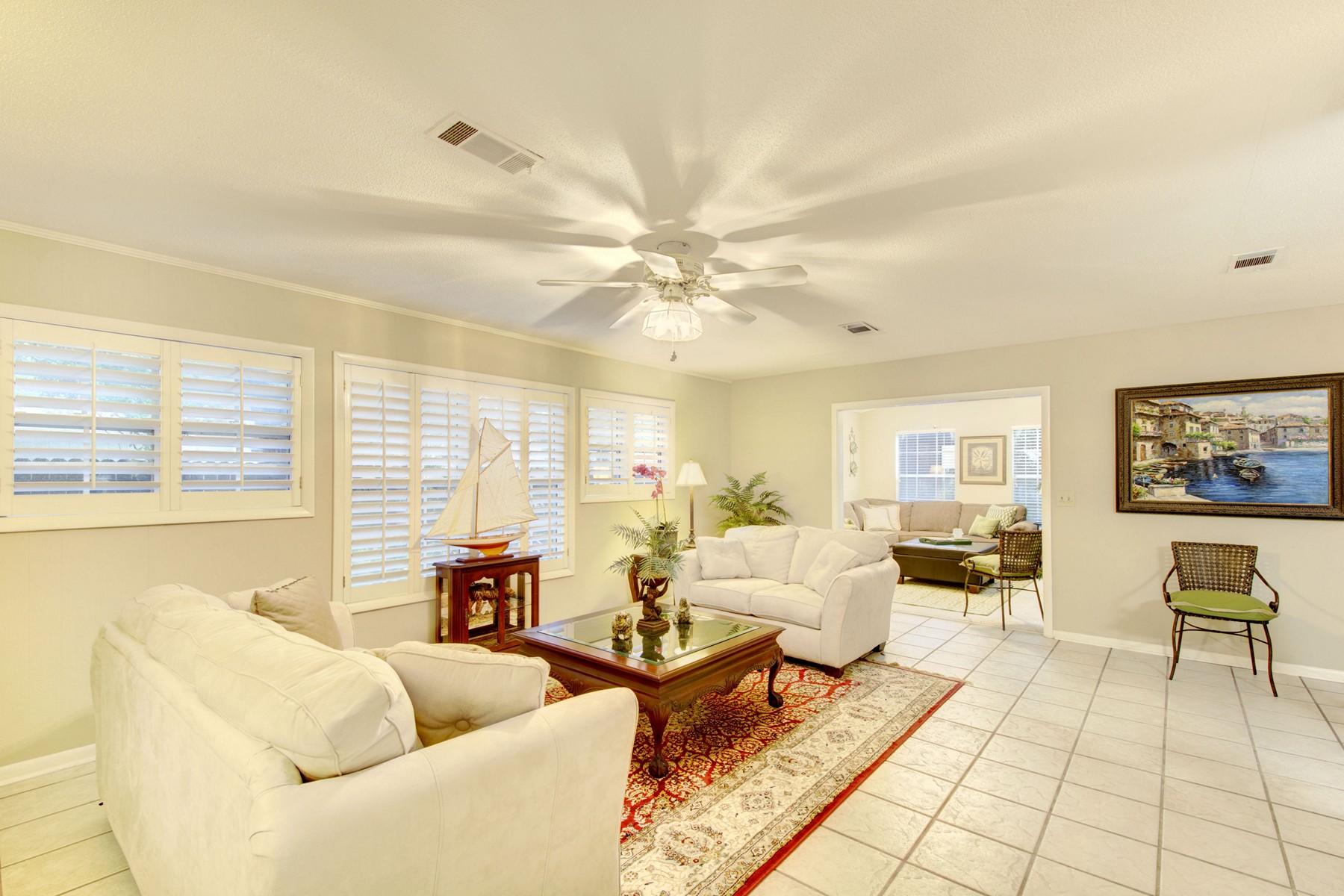 واحد منزل الأسرة للـ Sale في 11908 Old Demere Road St. Simons Island, Georgia, 31522 United States
