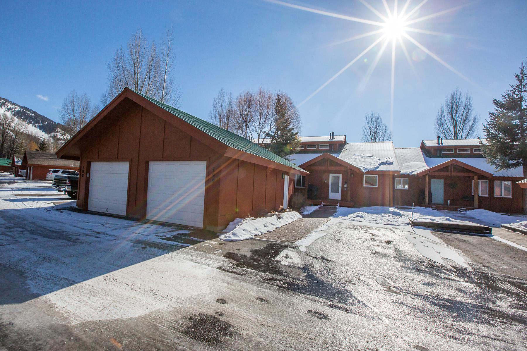 独户住宅 为 销售 在 Rare opportunity in Melody Ranch 790 W WIND RIVER LN,, 杰克逊, 怀俄明州, 83001 Jackson Hole, 美国