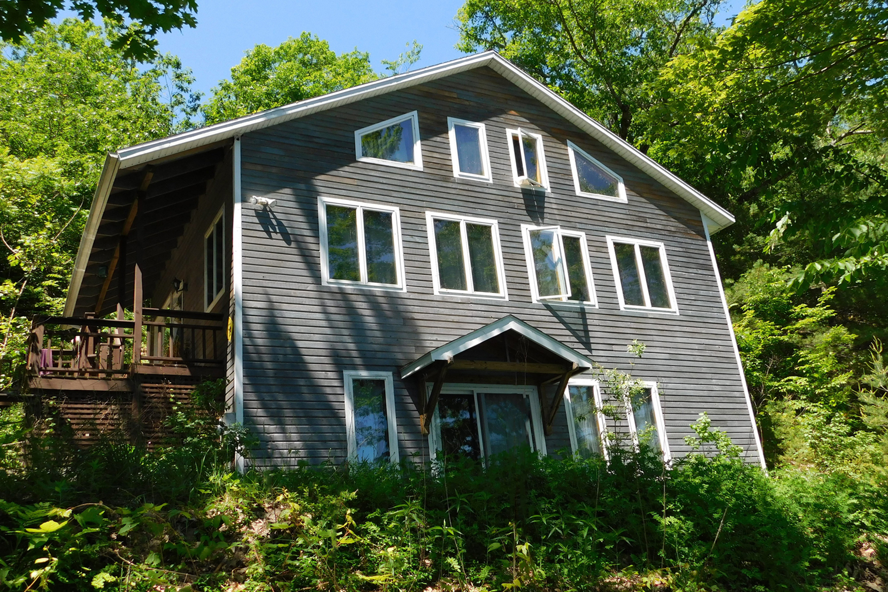 Single Family Homes for Sale at Year round lake living at it's best! 250 Spooner Point Extension Castleton, Vermont 05735 United States