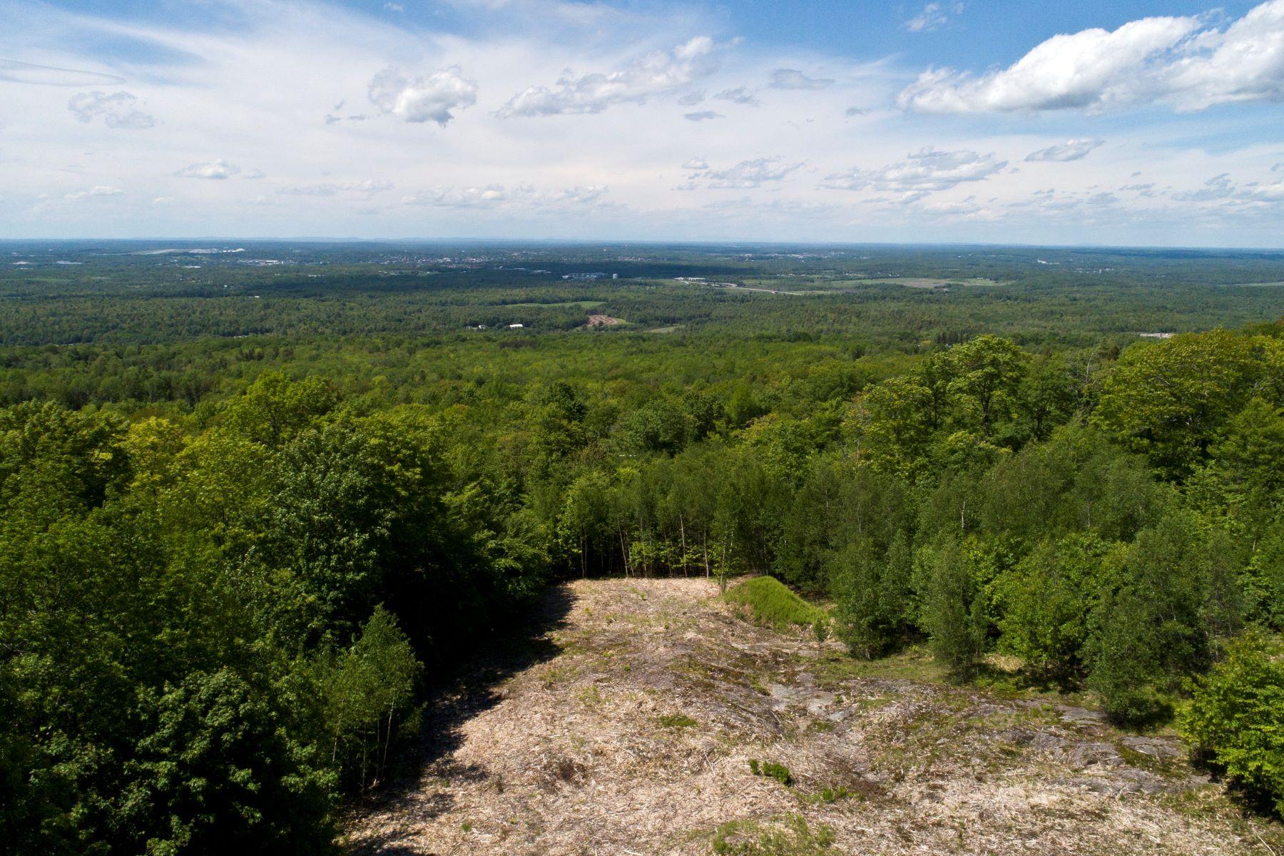 أراضي للـ Sale في Holden, Maine 04429 United States