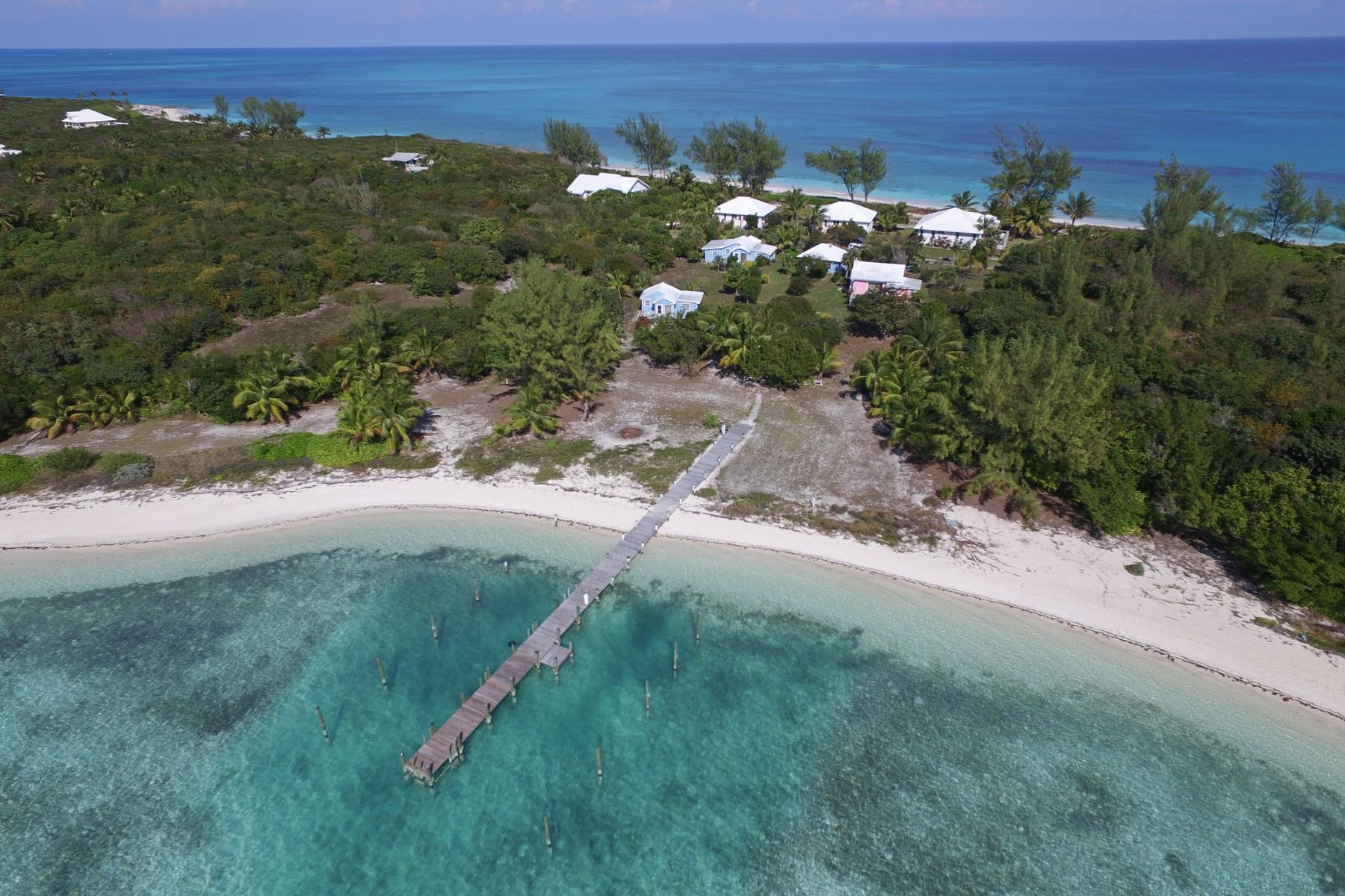 Additional photo for property listing at Conch Shell Cottage Green Turtle Cay, Abaco Bahamas