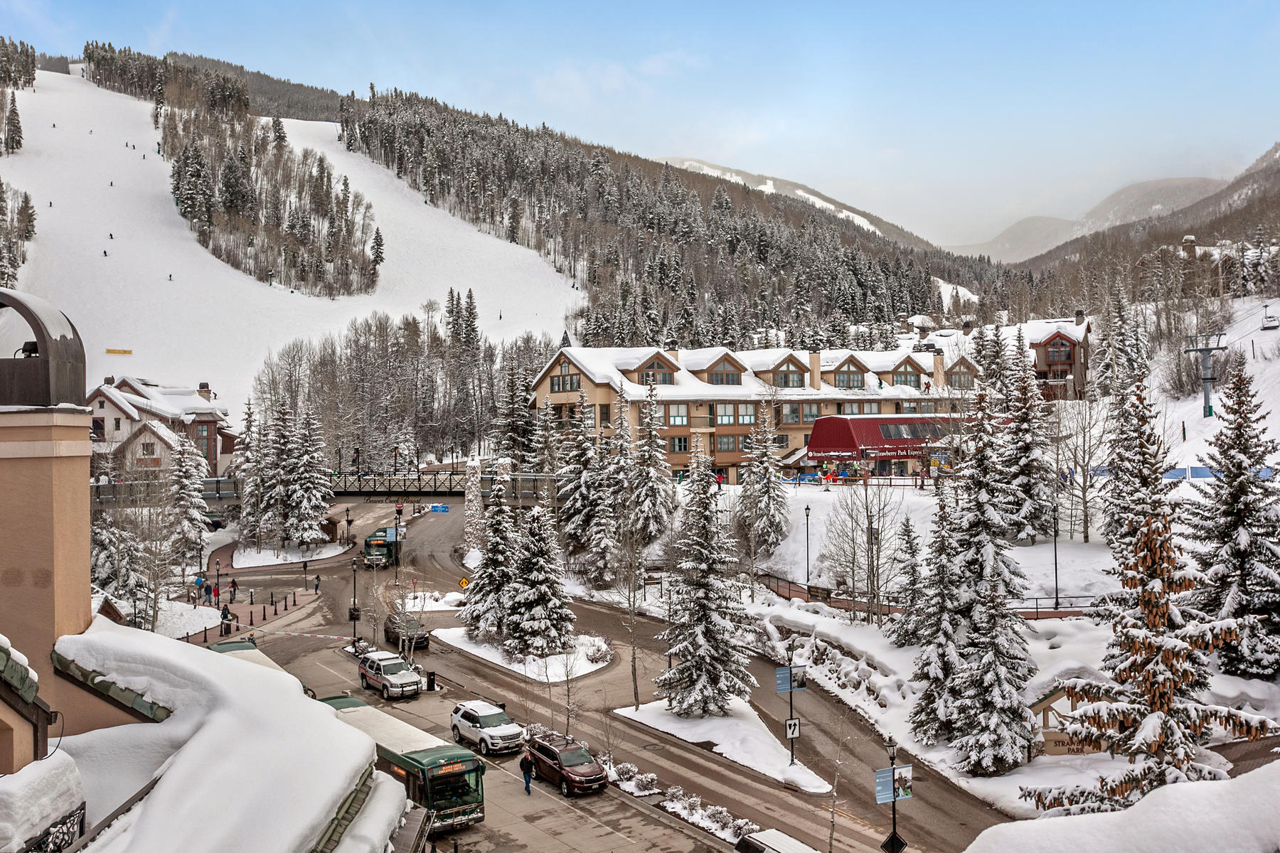 Additional photo for property listing at Spacious and Sunny Luxury Penthouse in the Heart of Beaver Creek 26 Avondale Lane #602R Beaver Creek, Colorado 81620 United States