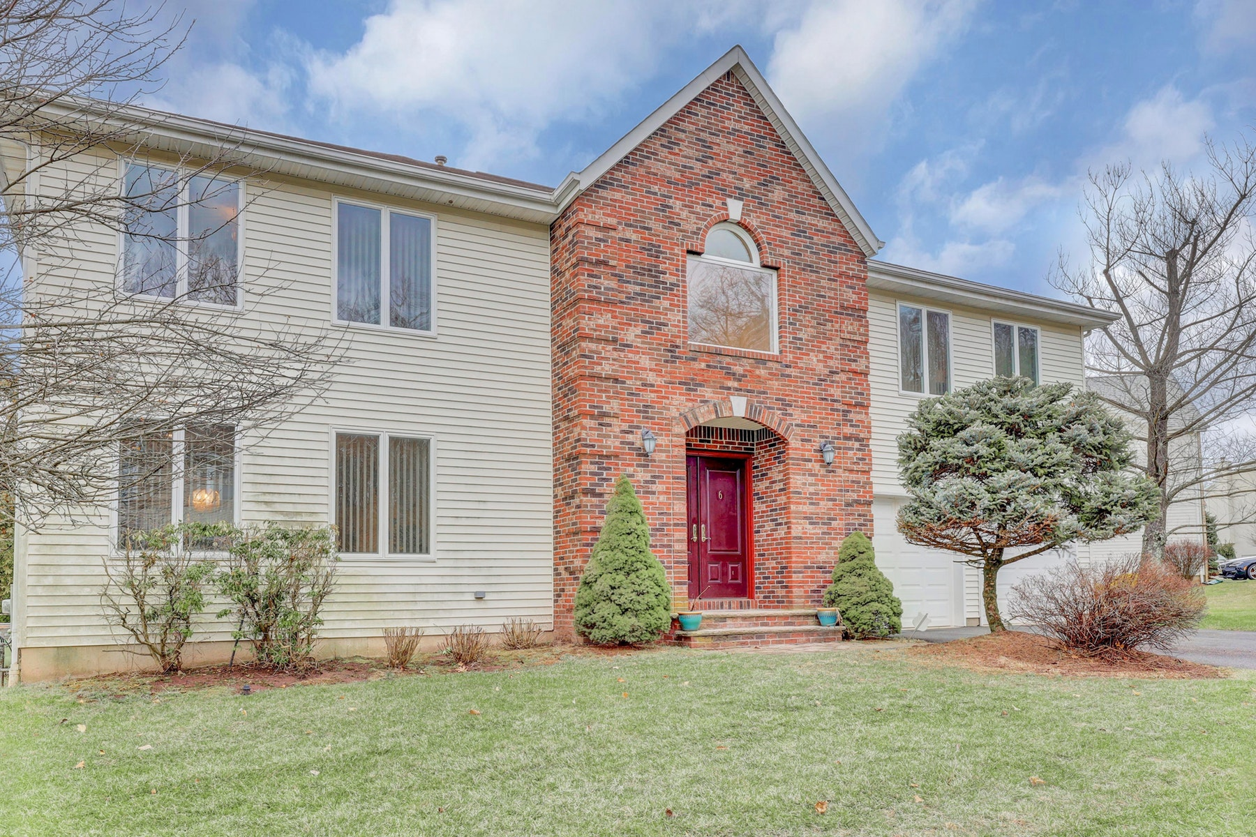 Single Family Homes for Sale at Point View Estates 6 Dudley Court Wayne, New Jersey 07470 United States