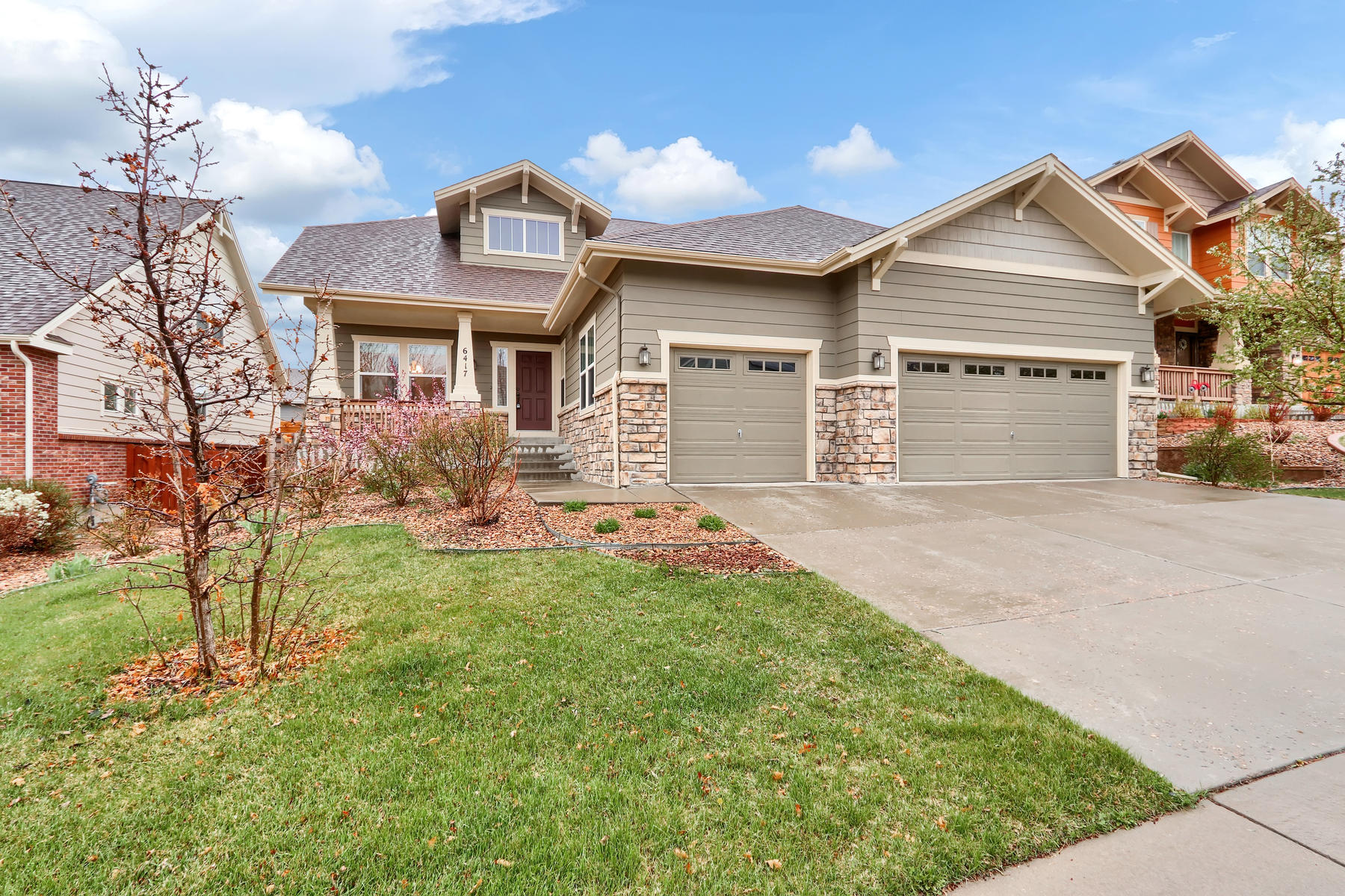 Single Family Homes for Sale at This award winning floor plan by Engle homes in Beacon Point shines 6417 S Oak Hill Cir Aurora, Colorado 80016 United States