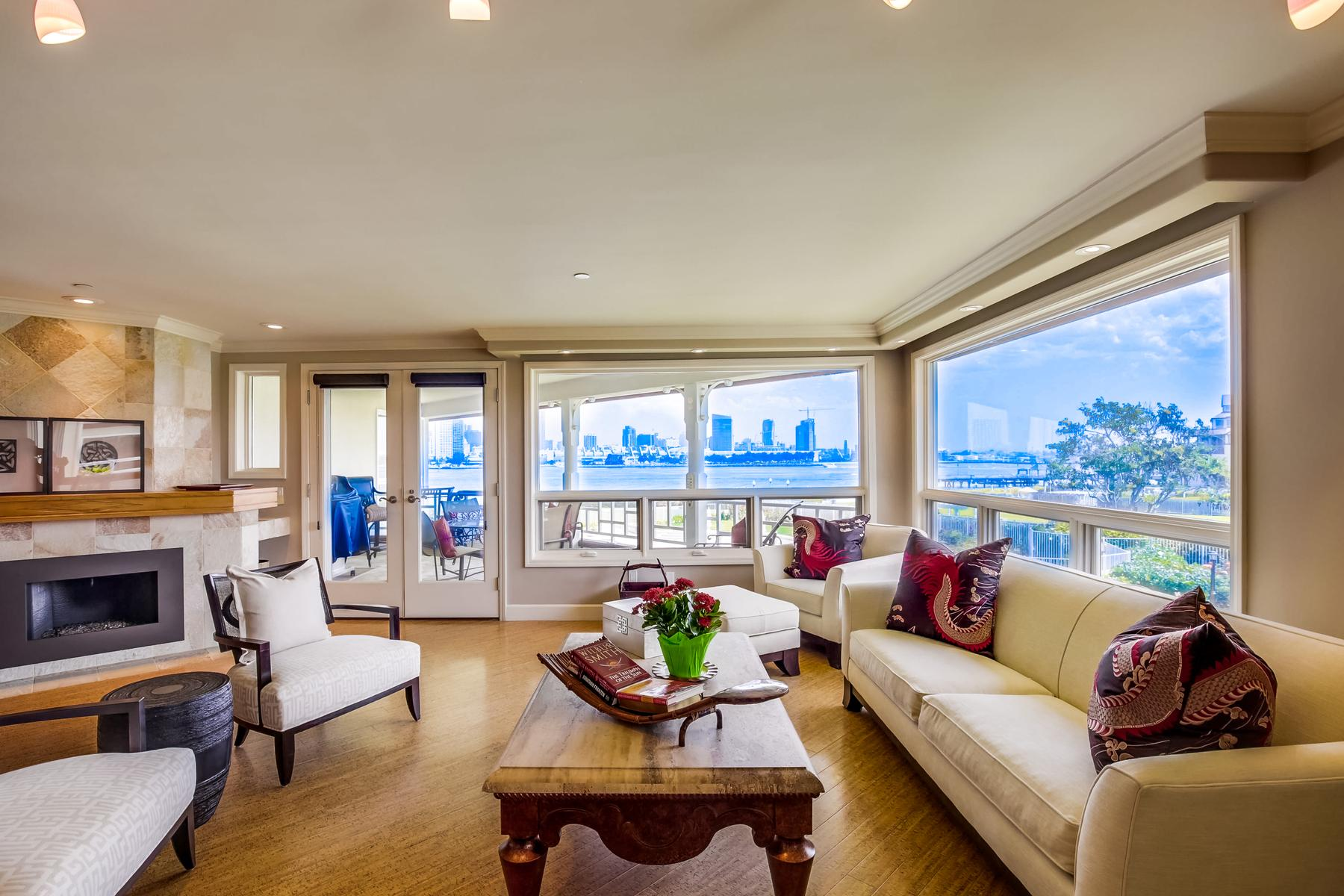 واحد منزل الأسرة للـ Sale في 1099 1st Street #207 1099 1st Street 207, Coronado, California, 92118 United States