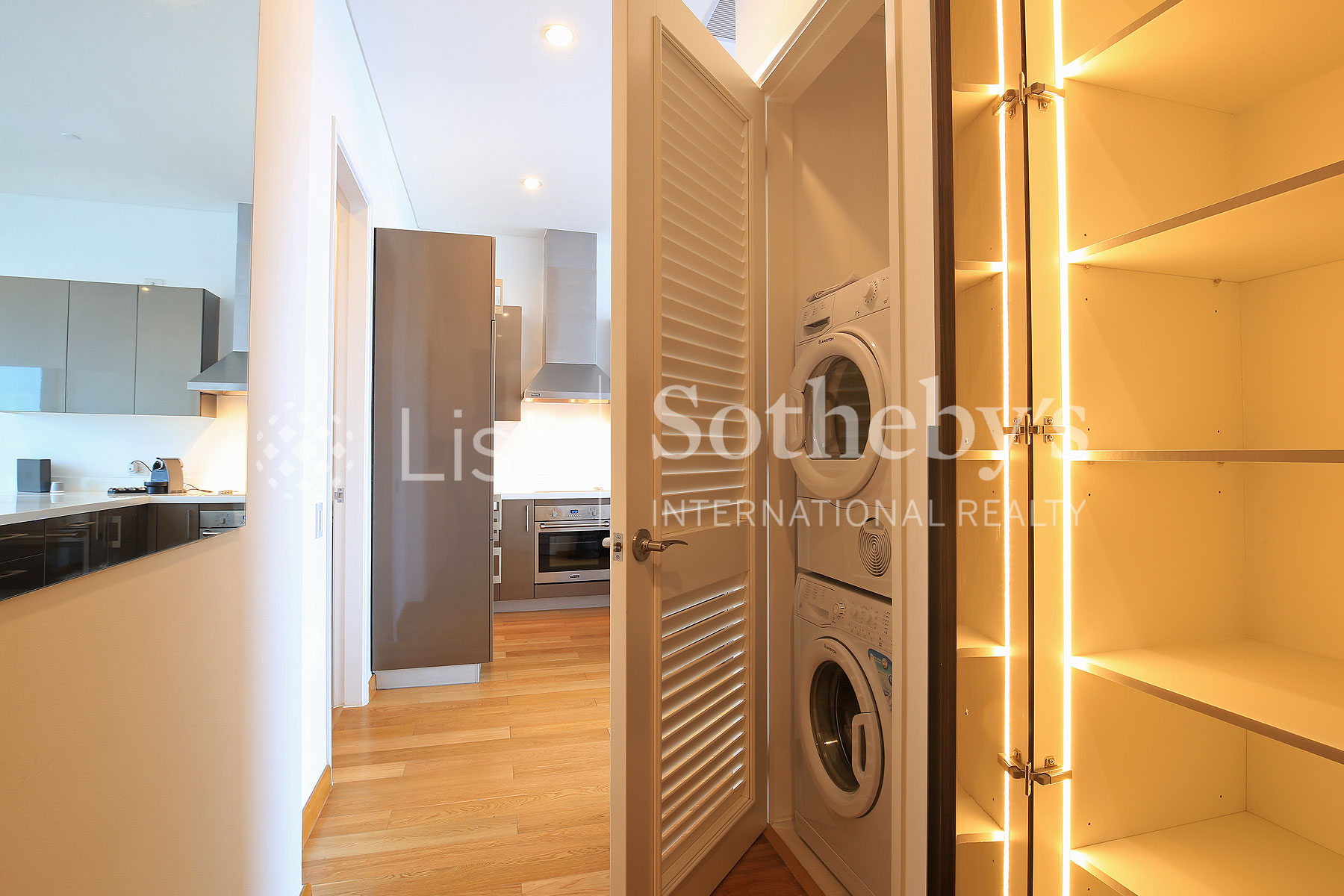 Additional photo for property listing at Sophisticated 1 Bedroom Unit  in Makati City 马卡蒂, 吕宋岛 菲律宾