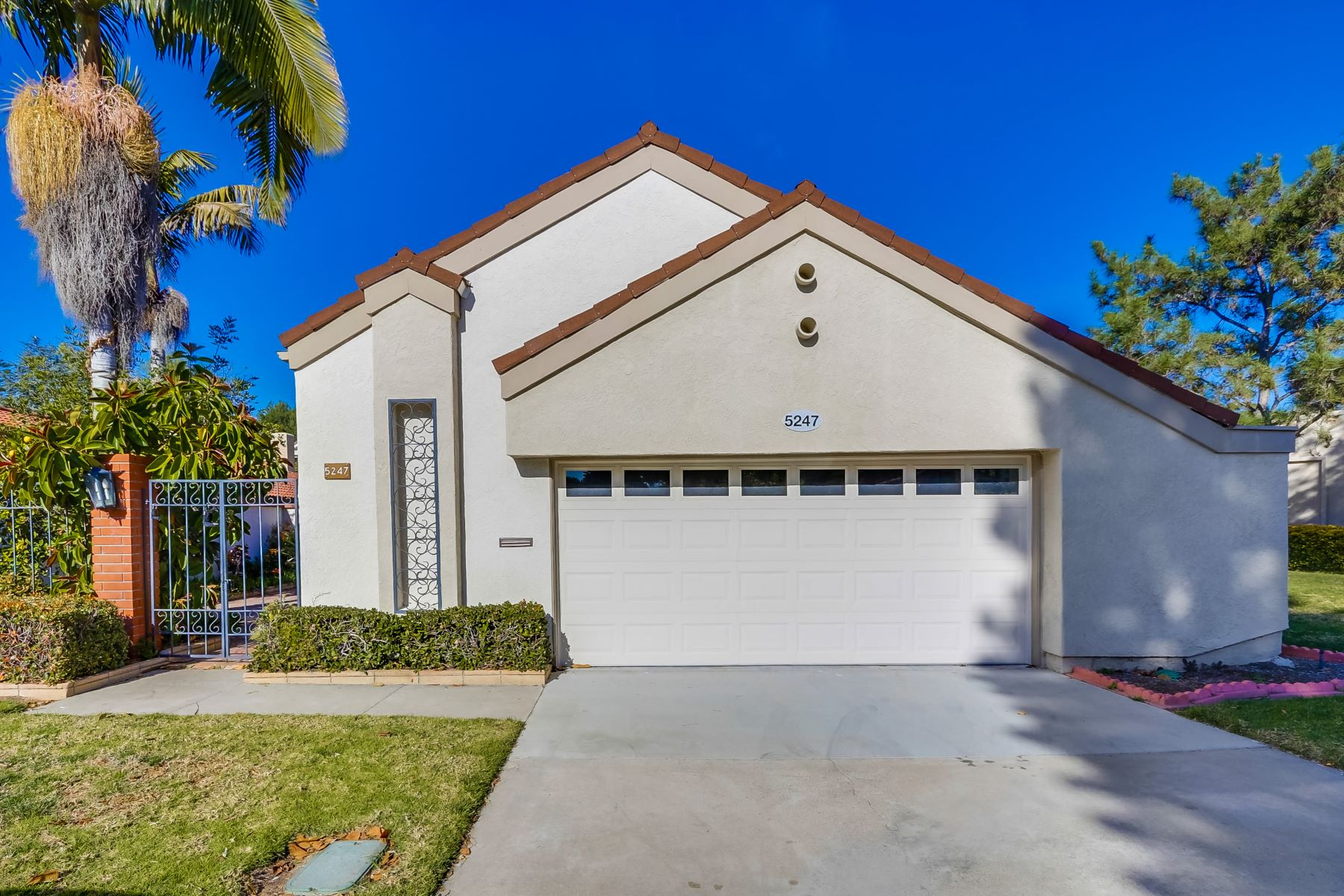 Other Residential Homes for Active at Updated Home in Laguna Woods Village 5247 Duenas Laguna Woods, California 92637 United States
