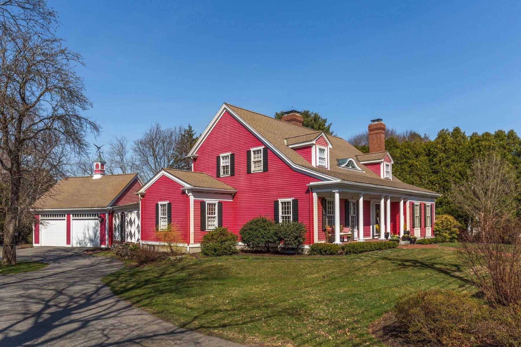 Casa para uma família para Venda às Grand Cape 74 East Street Lexington, Massachusetts, 02420 Estados Unidos