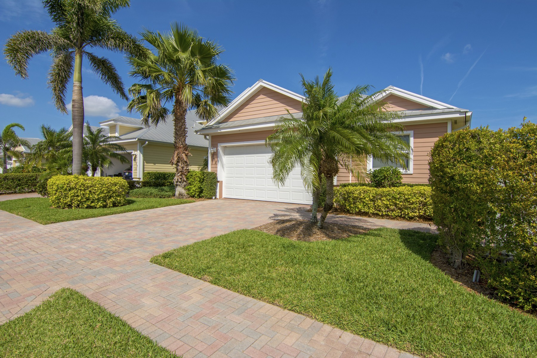 Частный односемейный дом для того Продажа на YOUR NEW HOME OR VACATION GETAWAY 4575 Bridgepointe Way #158, Vero Beach, Флорида, 32967 Соединенные Штаты