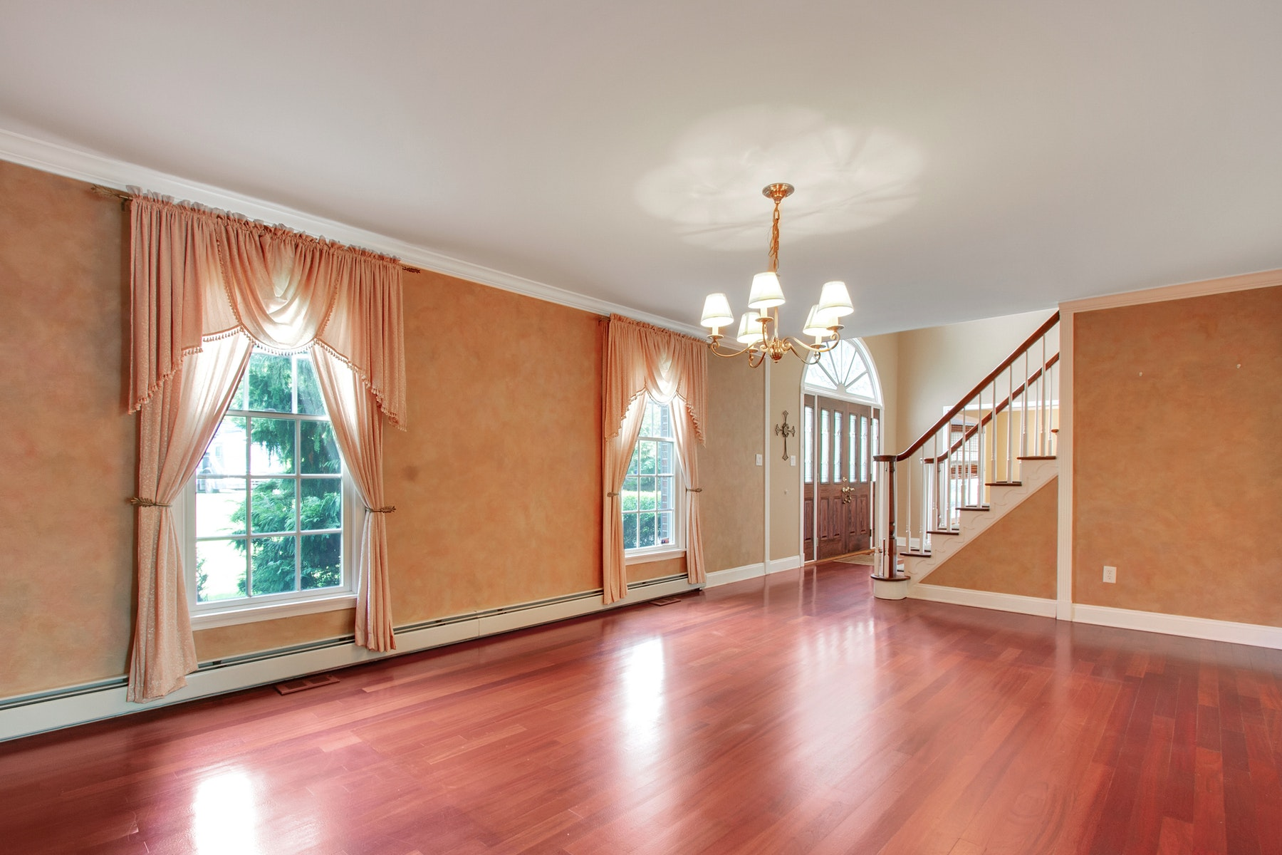 Additional photo for property listing at Stunning Colonial 22 Fireside Drive, Colts Neck, New Jersey 07722 Vereinigte Staaten