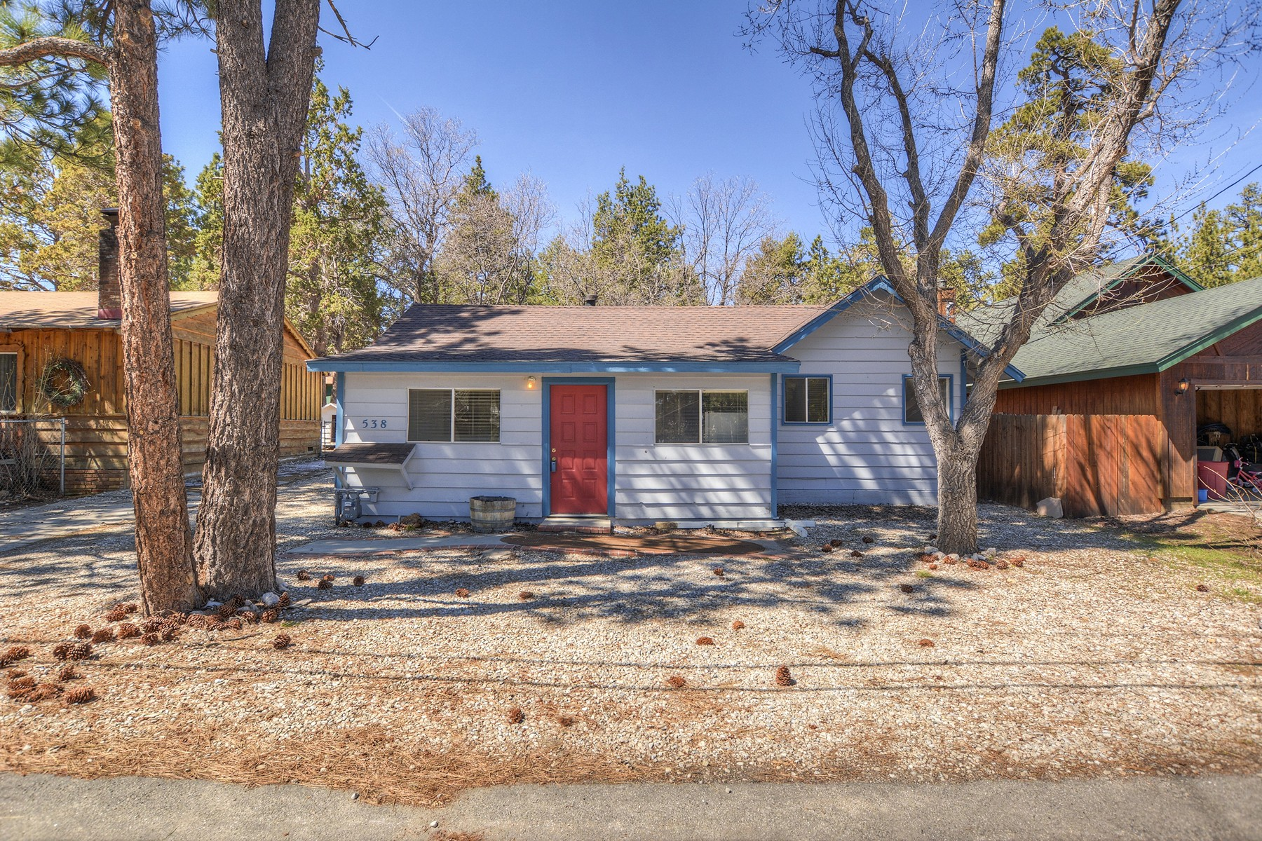 Single Family Home for Sale at Big Bear 538 Holmes Sugarloaf, California, 92386 United States