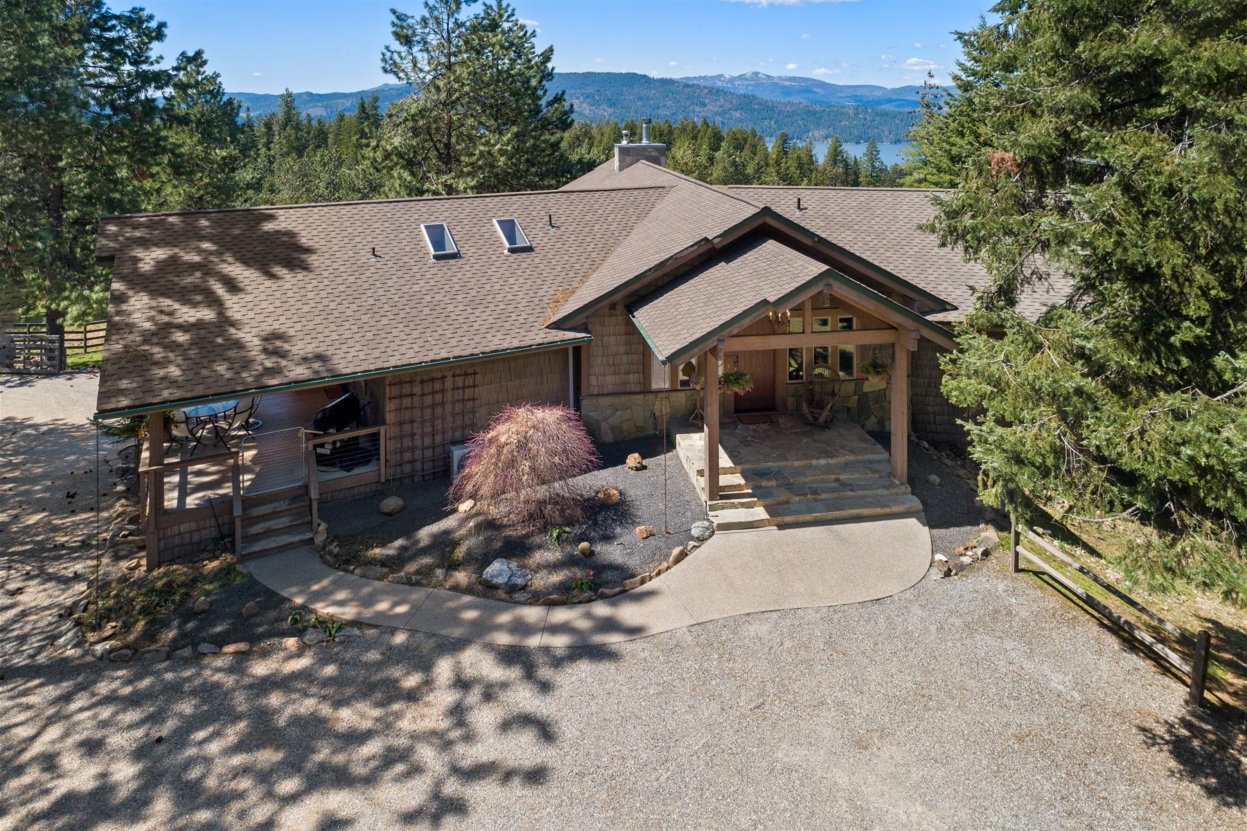 Single Family Home for Active at 2093 E Venture Trail 2093 E Venture Trl Harrison, Idaho 83833 United States