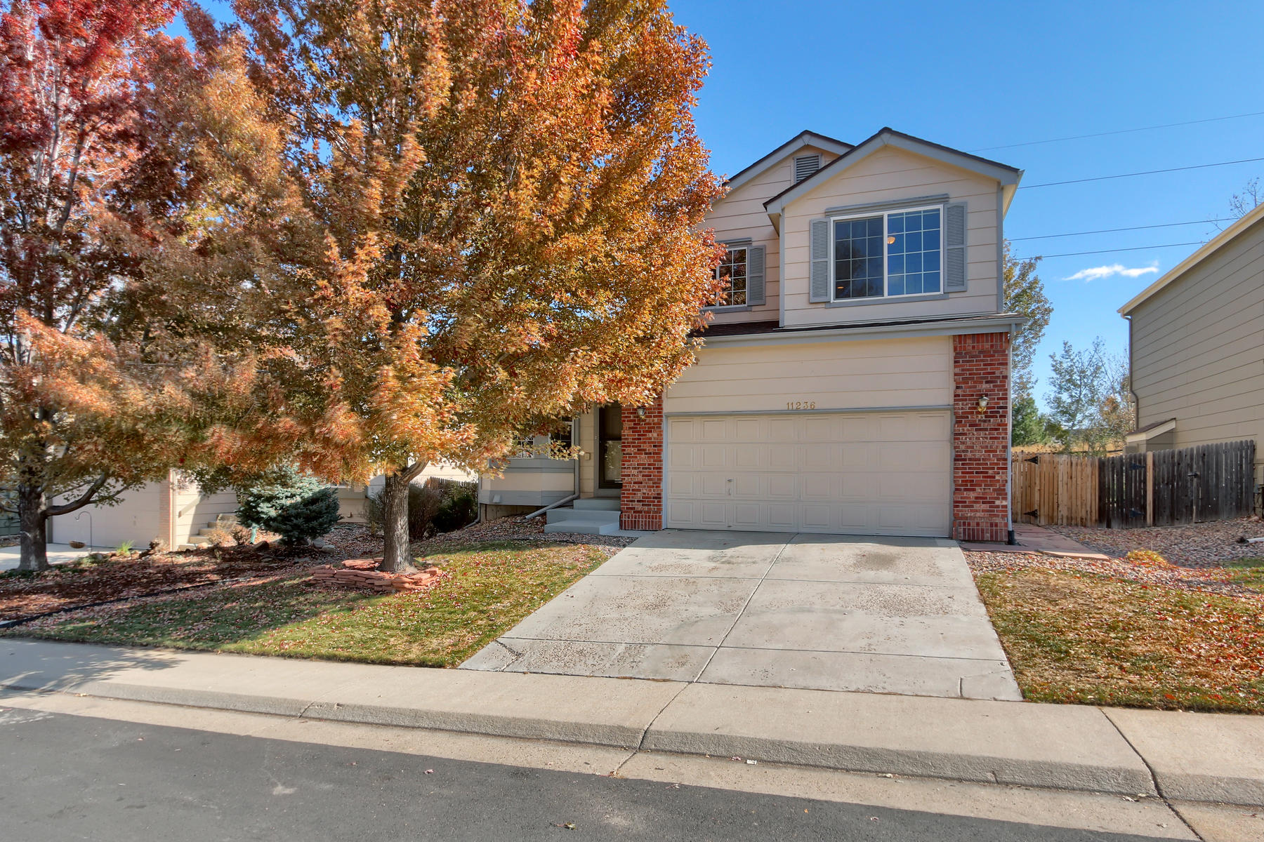 Single Family Homes for Sale at You will love this 2-story home backing to open space and a trail system 11236 Rodeo Cir Parker, Colorado 80138 United States